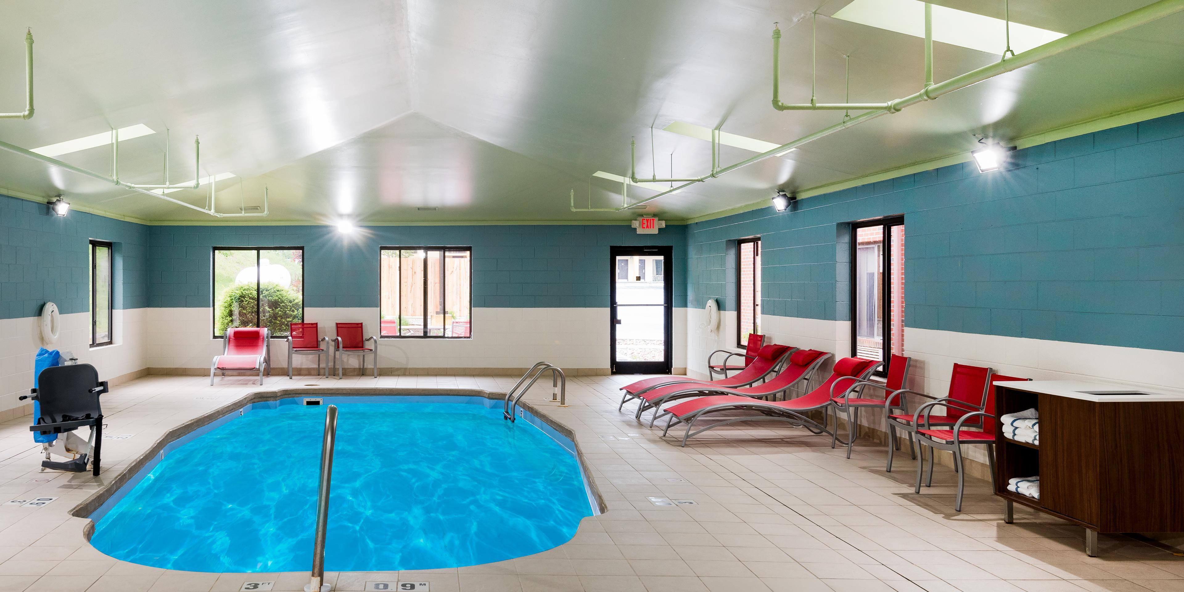 Holiday Inn Express Hillsville 5152837766 2x1