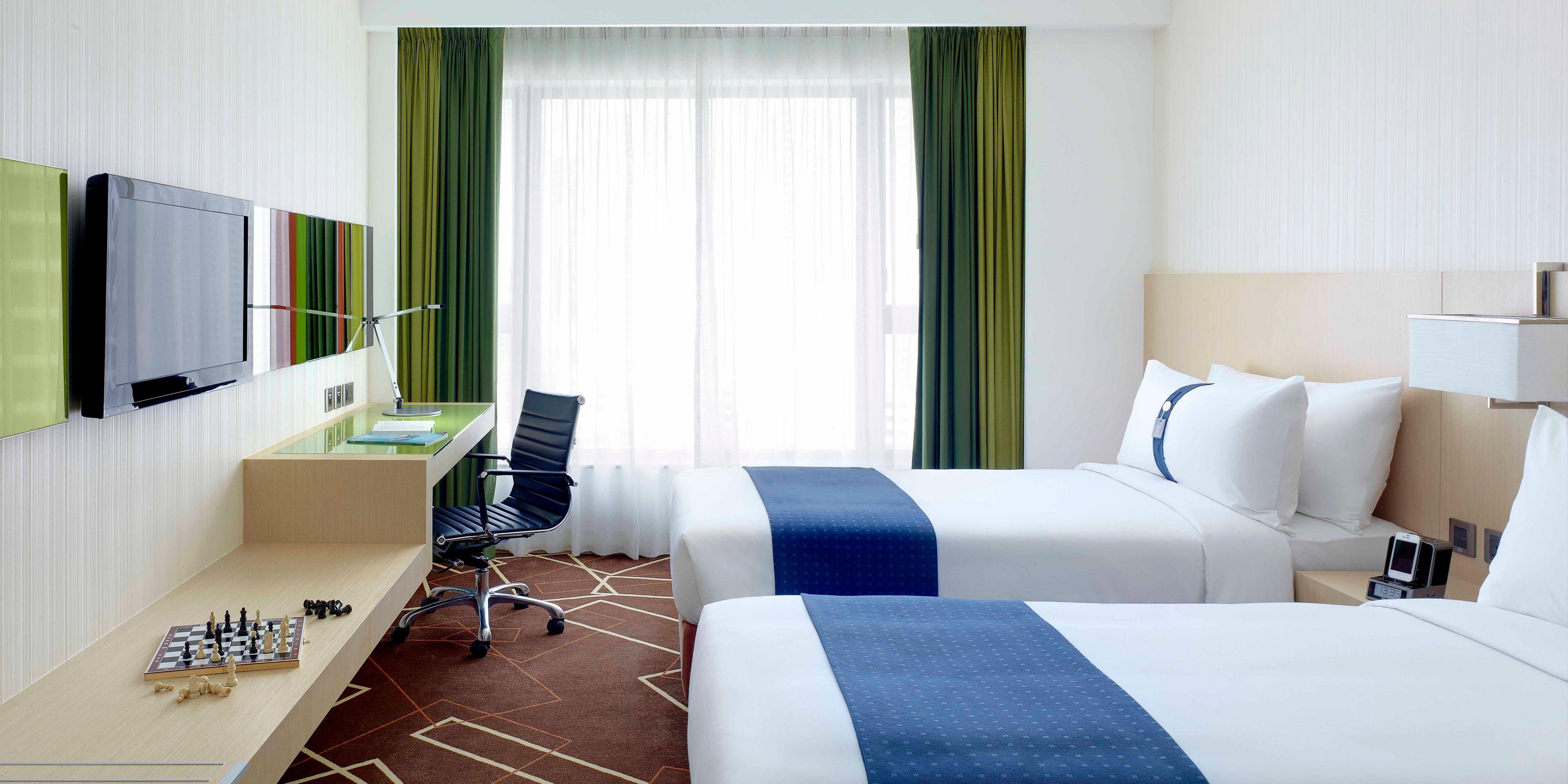 Holiday Inn Express Hong Kong 2532348404 2x1