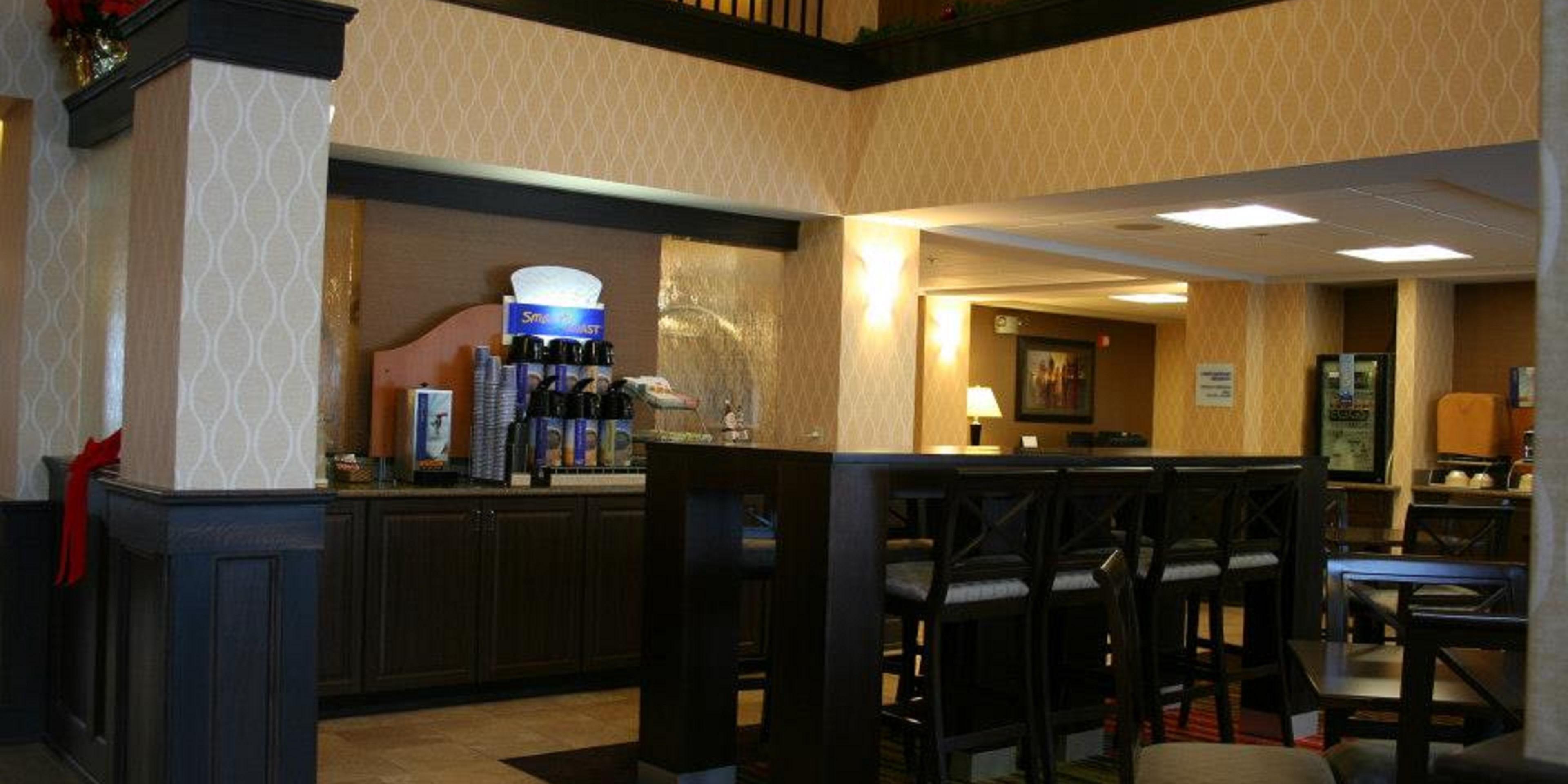 Holiday Inn Express Houghton 4429810997 2x1