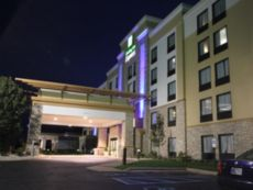 Holiday Inn Express Janesville-I-90 & Us Hwy 14 in Lake Geneva, Wisconsin