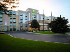 Holiday Inn Express Janesville-I-90 & Us Hwy 14 in Loves Park, Illinois