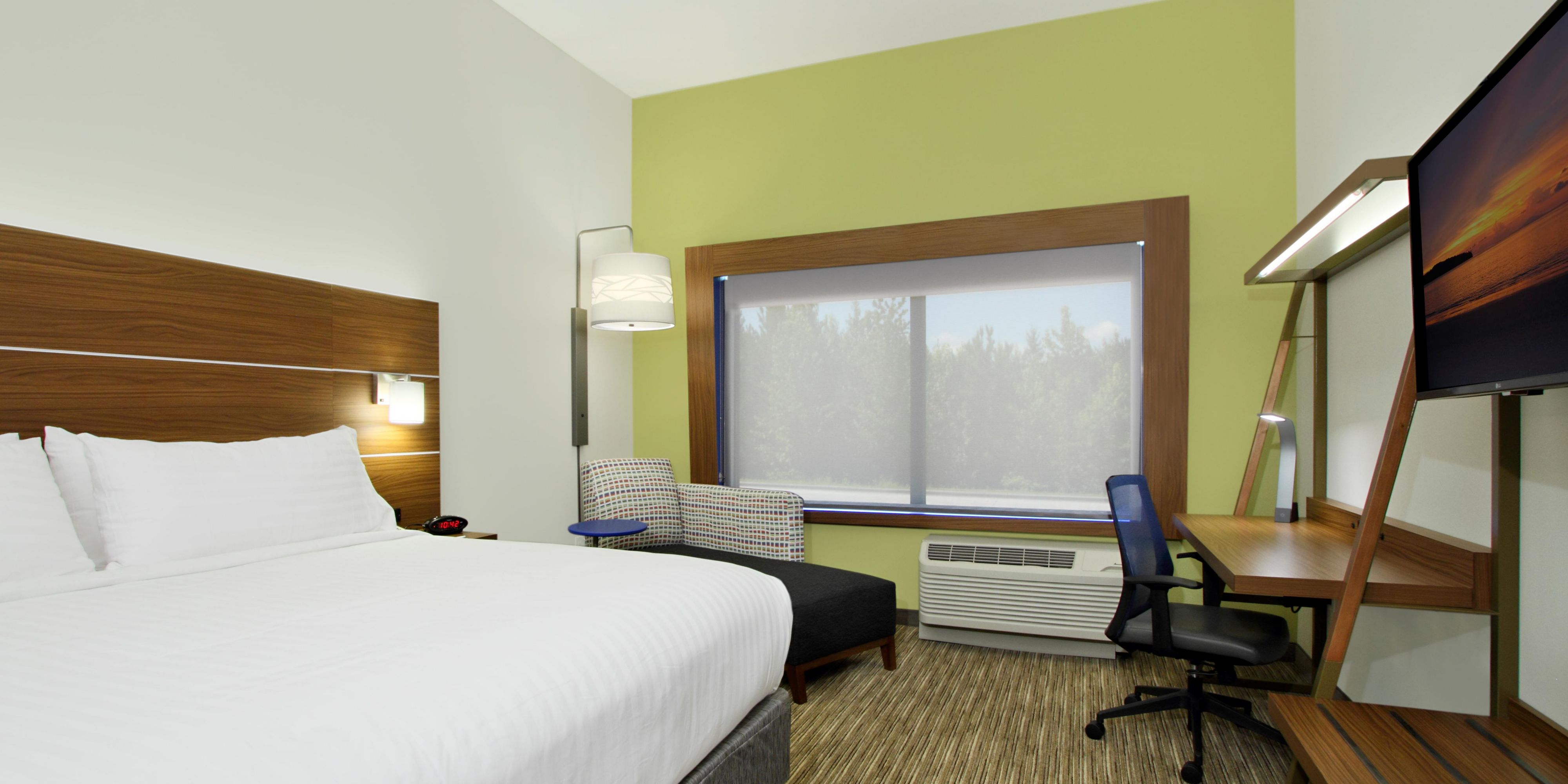 Holiday Inn Express Jasper 4605880891 2x1