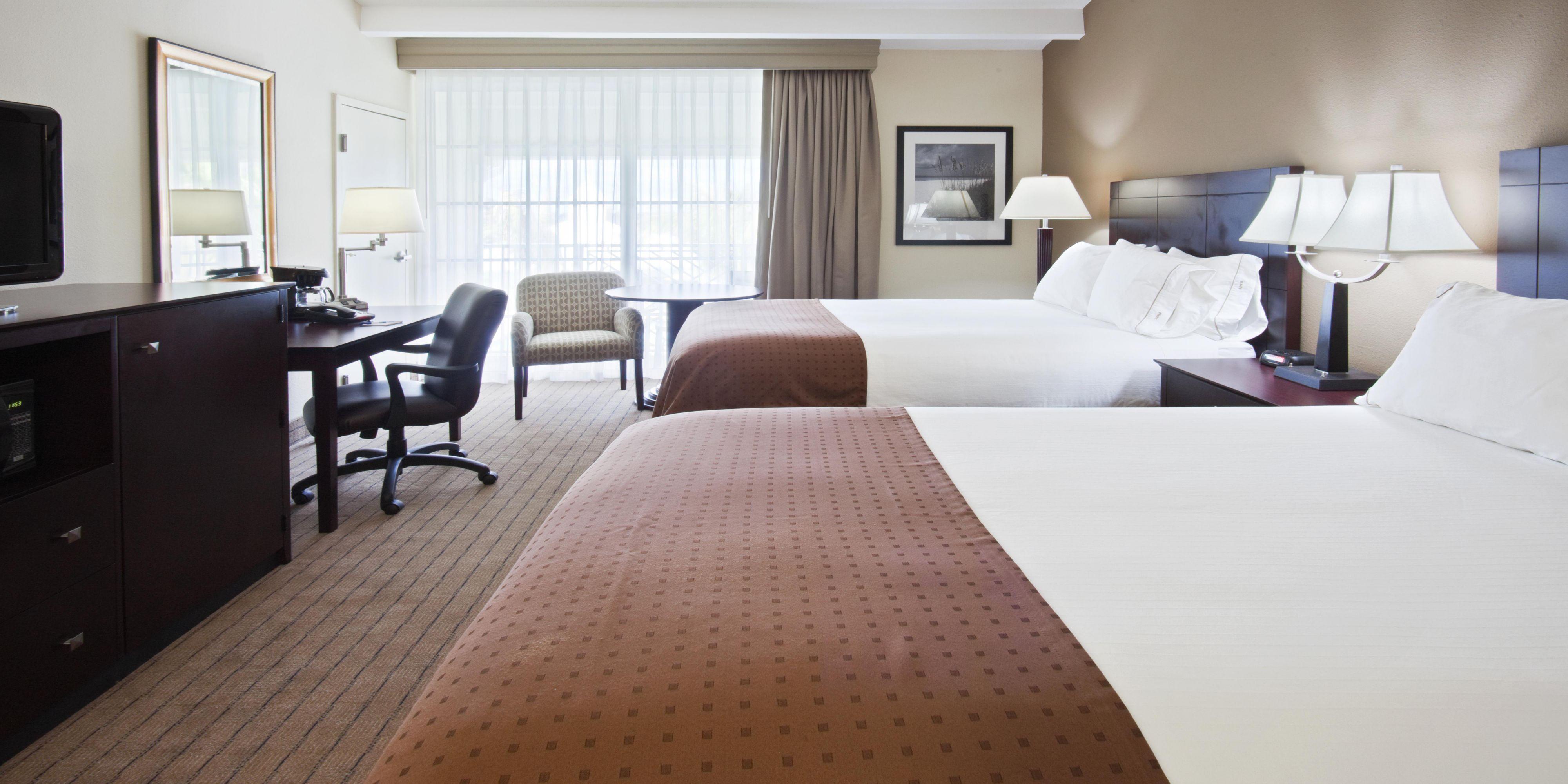 Holiday Inn Express Juno Beach 4295258255 2x1