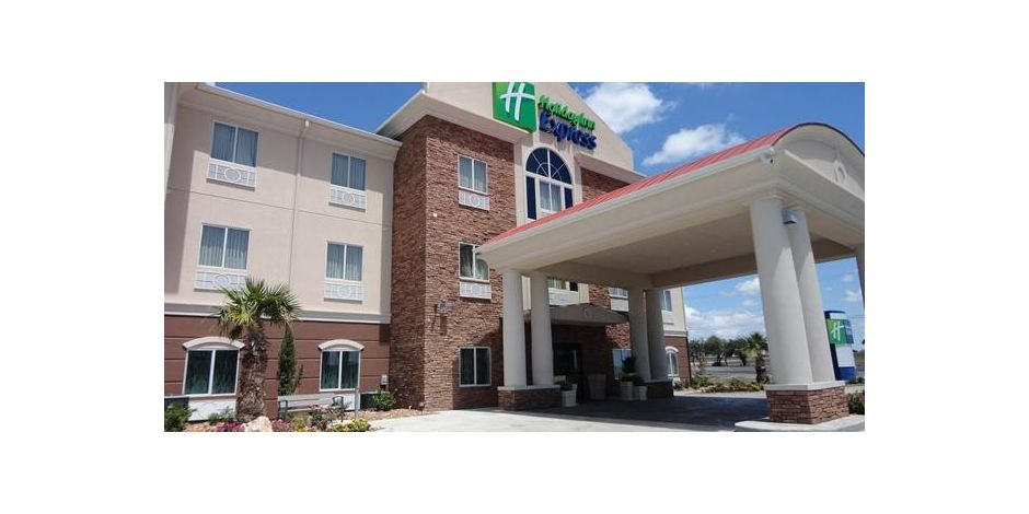 Welcome To The All New Holiday Inn Express In Kenedy Texas