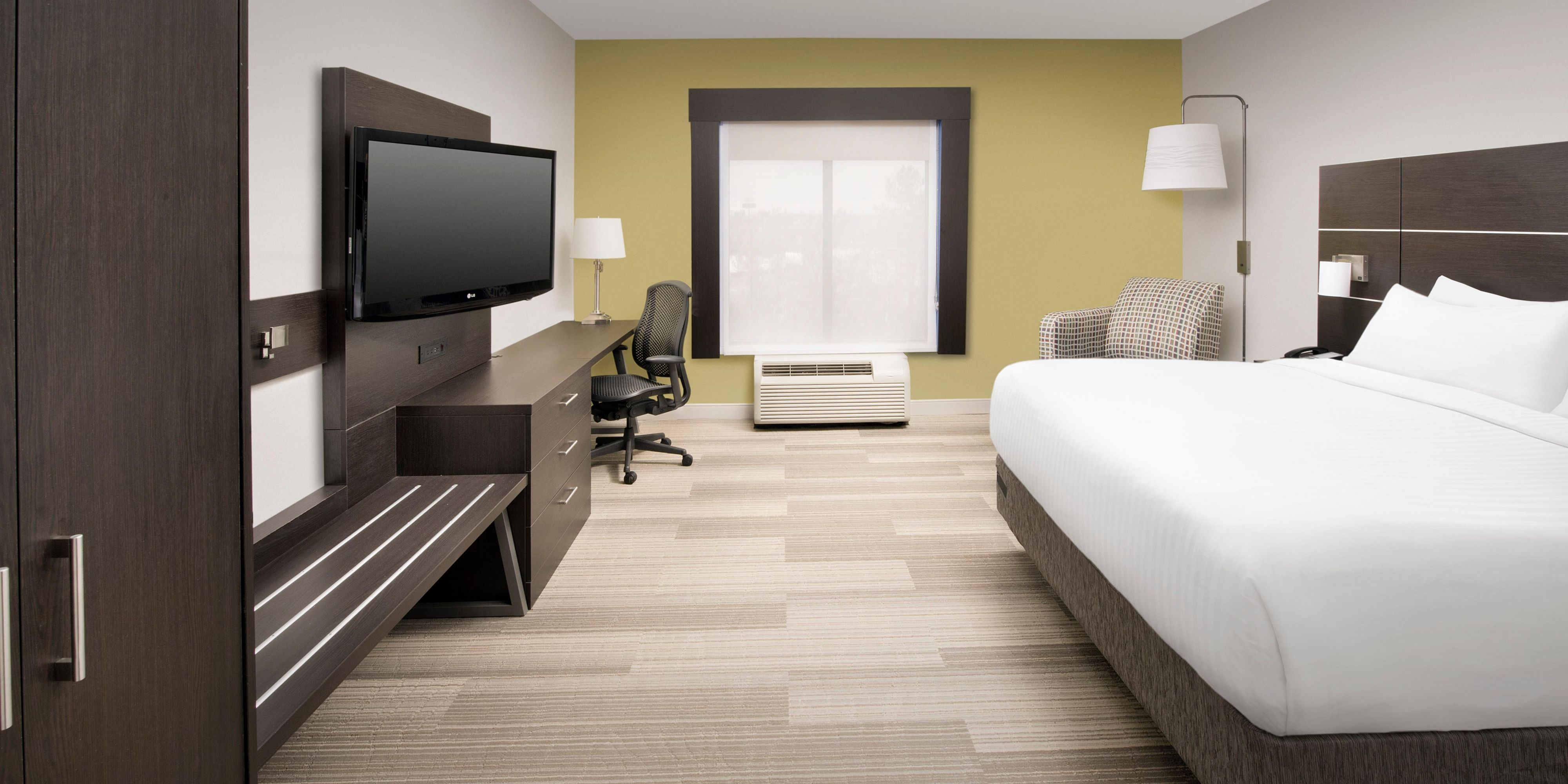 Holiday Inn Express Knoxville 5467874250 2x1