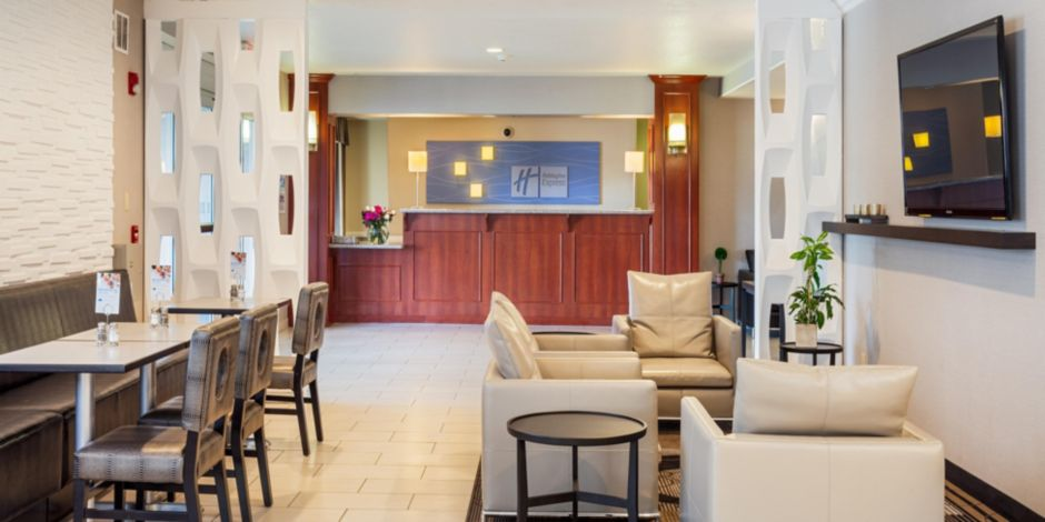 Holiday Inn Express Lancaster Hotel By Ihg