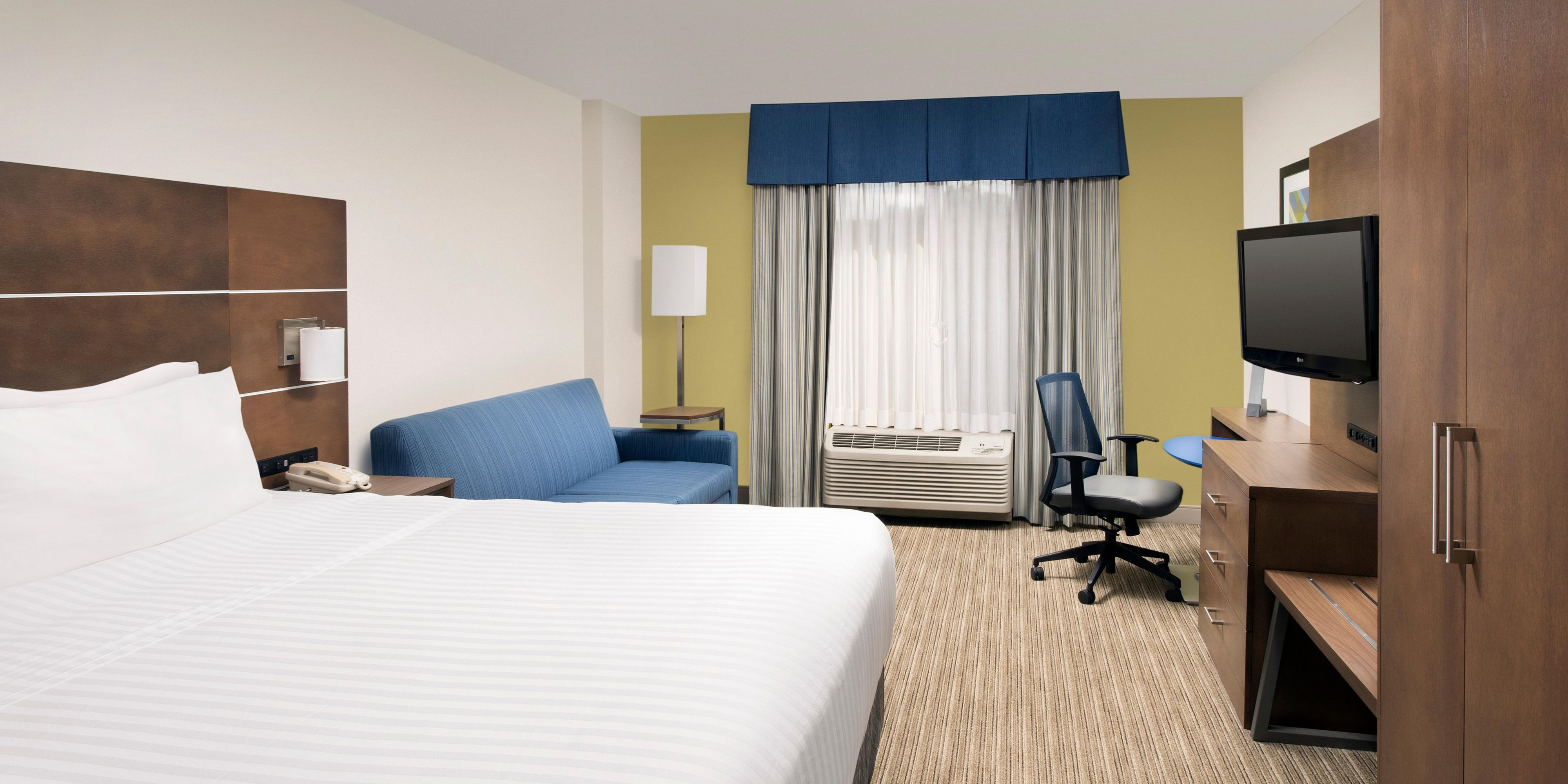 Holiday Inn Express Lawrence 5239854186 2x1