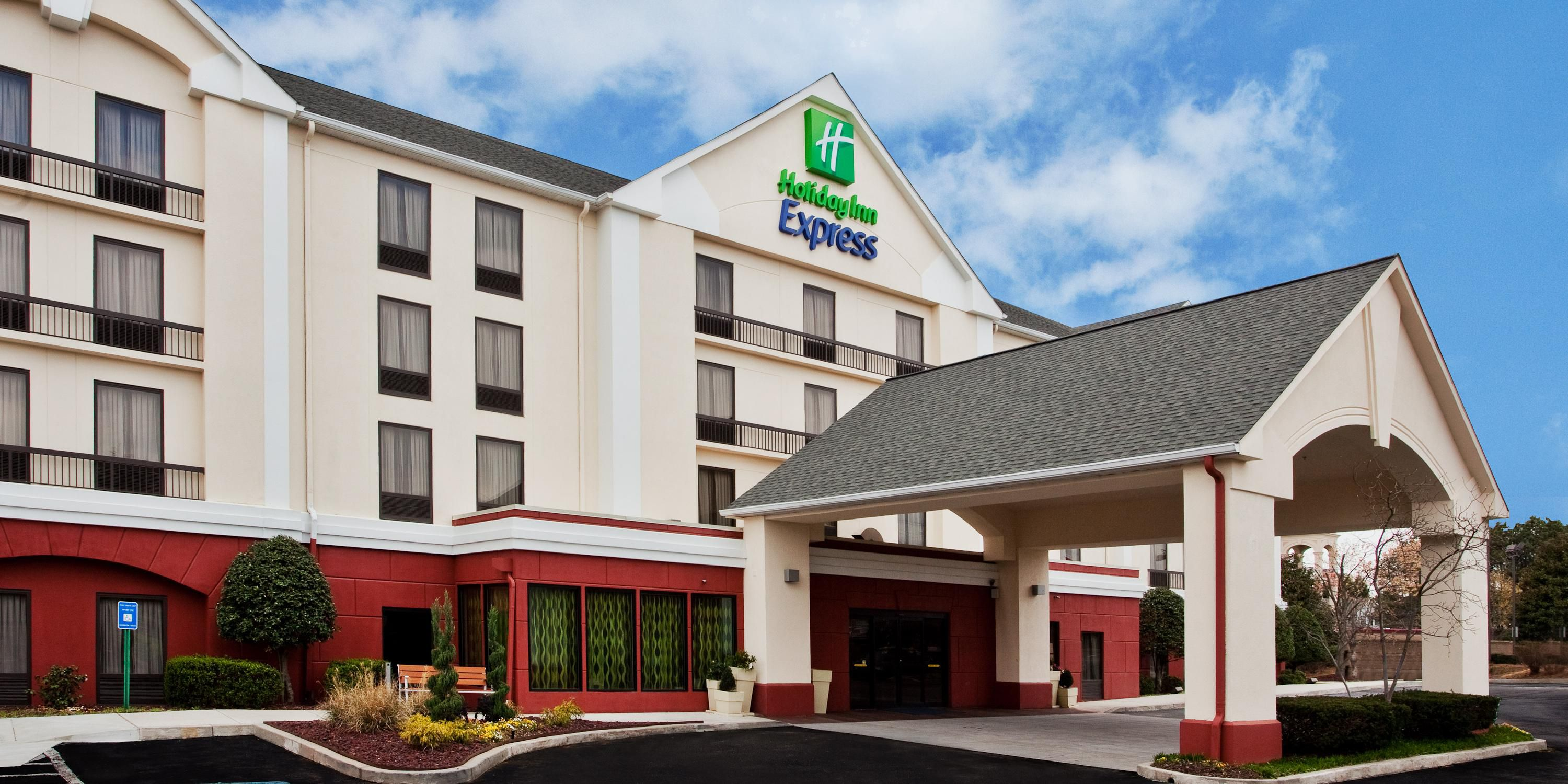 Holiday Inn Express Atlanta West   Theme Park Area Hotel By IHG