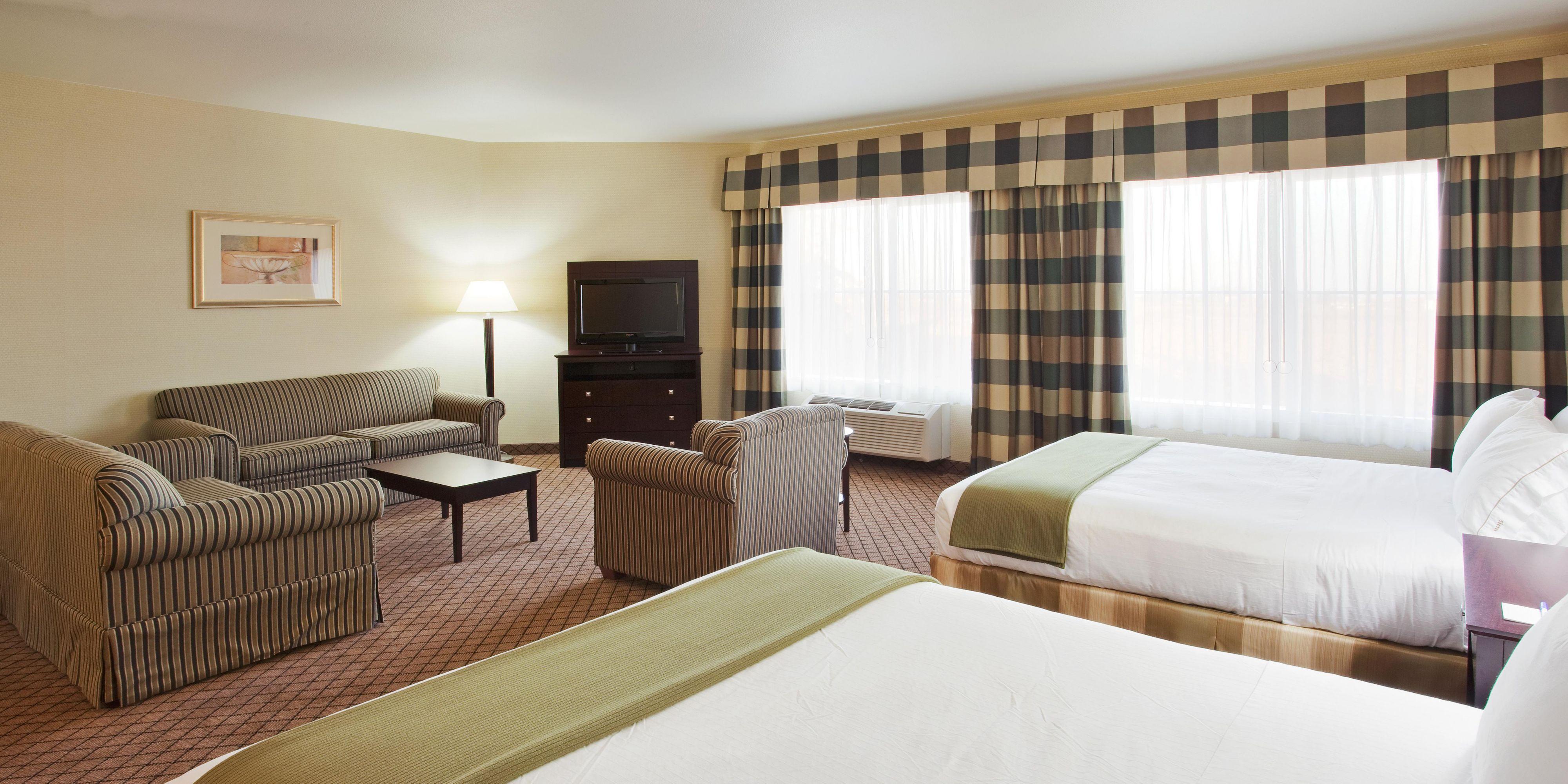 Holiday Inn Express Lodi 4288188129 2x1