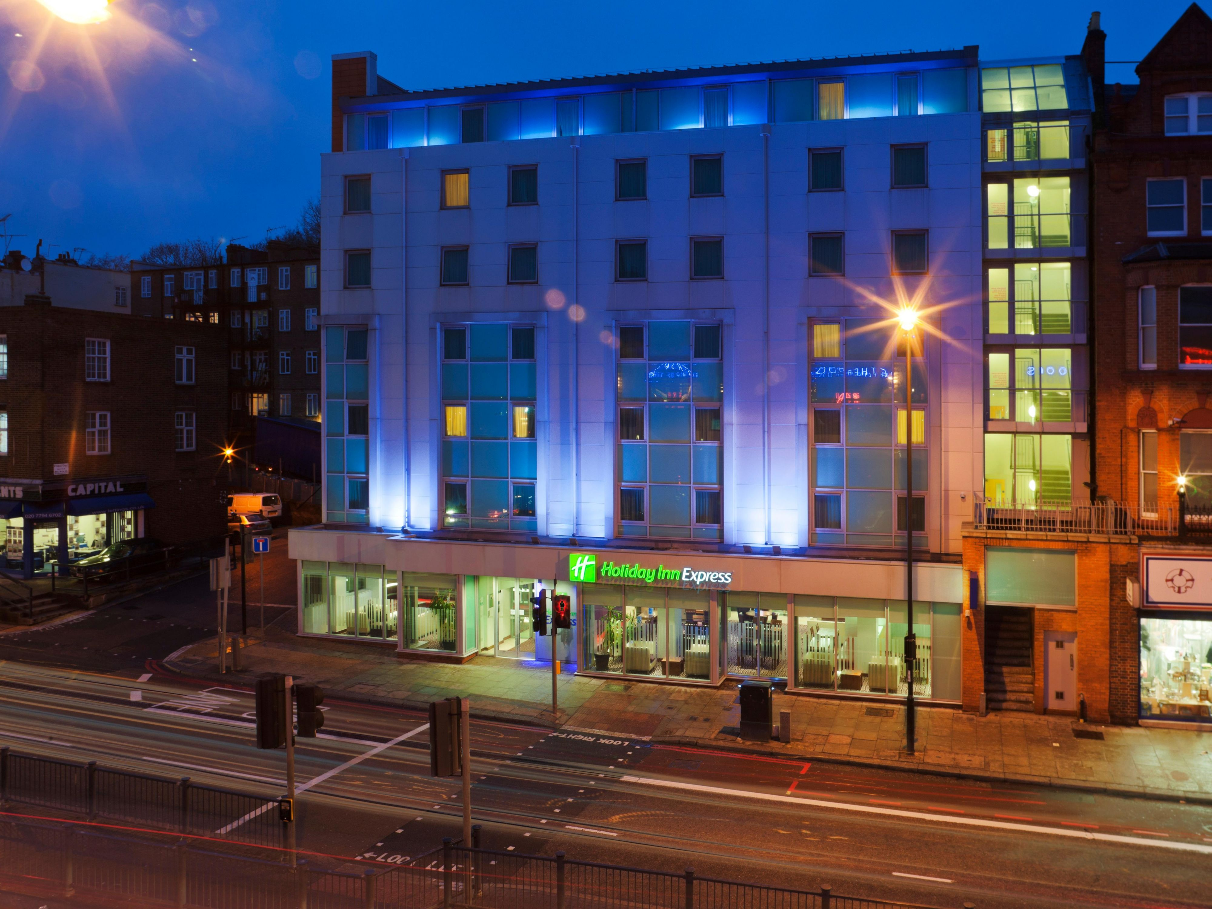 Hotel in the night located on Finchley Road