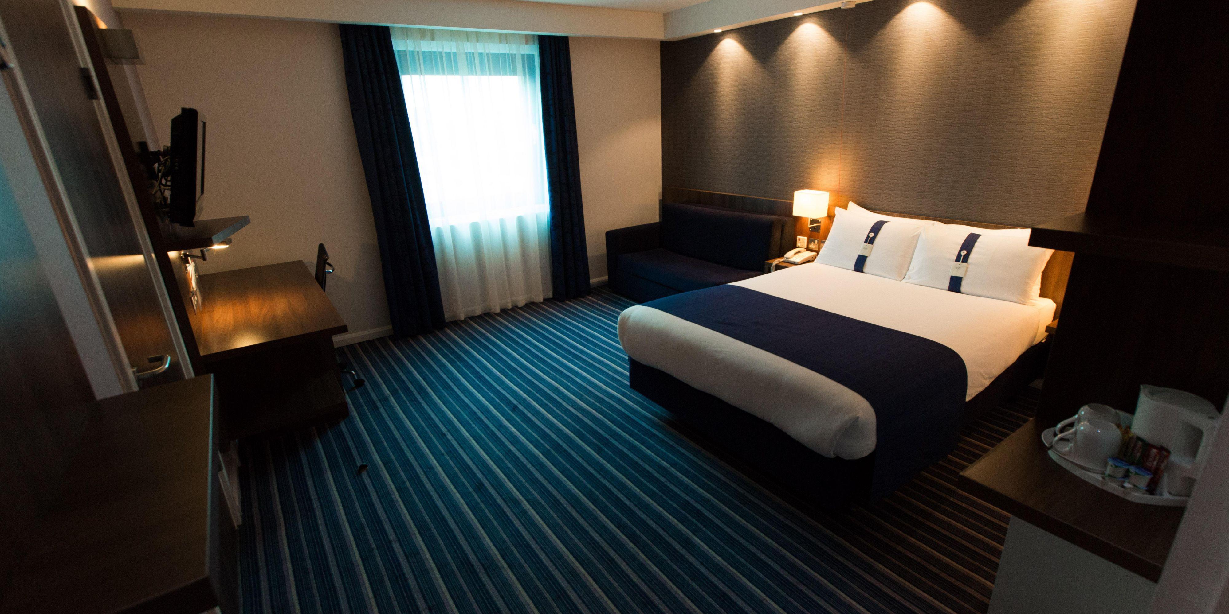 Holiday Inn Express London 3183026942 2x1