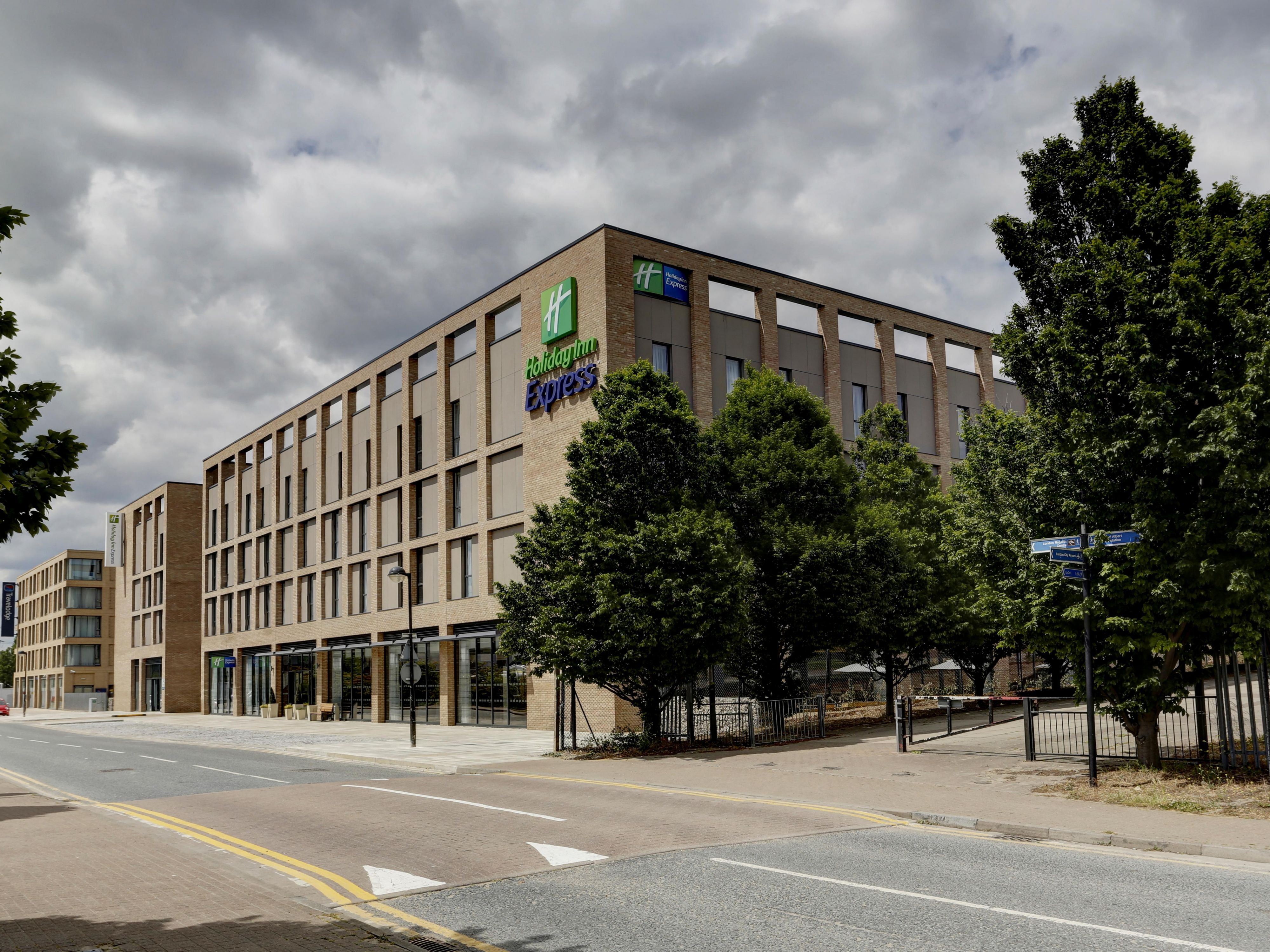 Hotel Holiday Inn Express London Luton Airport