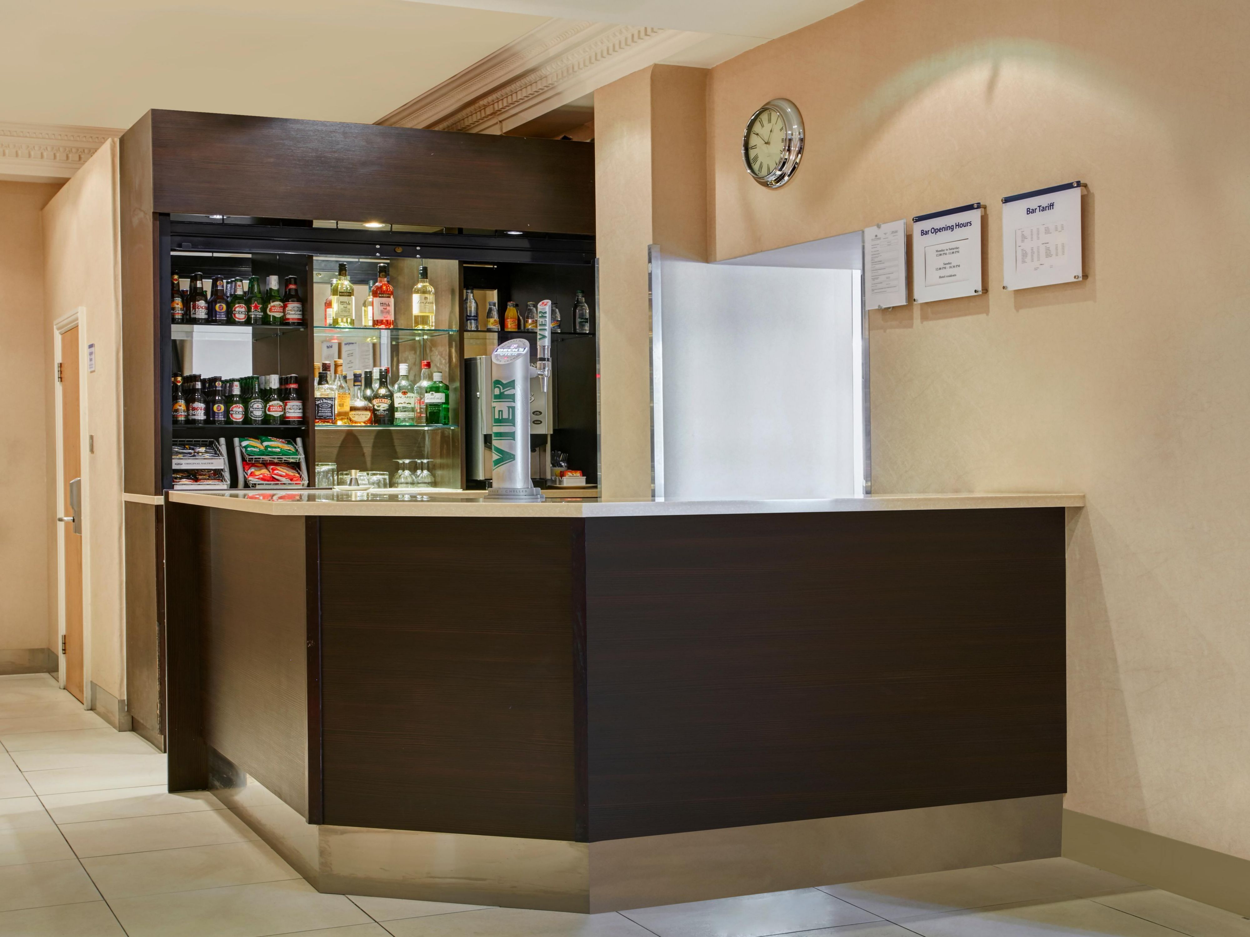 Wind down at Beverley Bar in Holiday Inn Express London Victoria