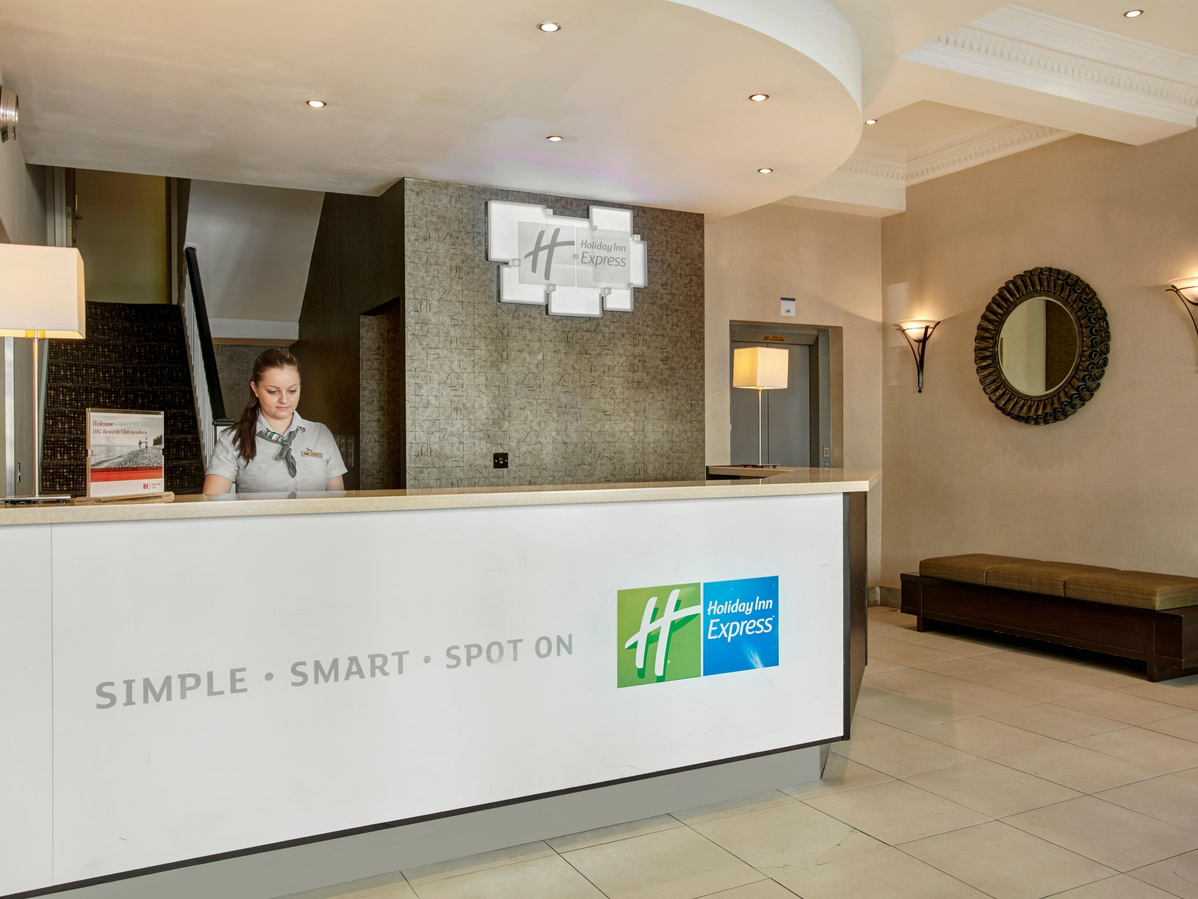 Welcome to Holiday Inn Express London Victoria