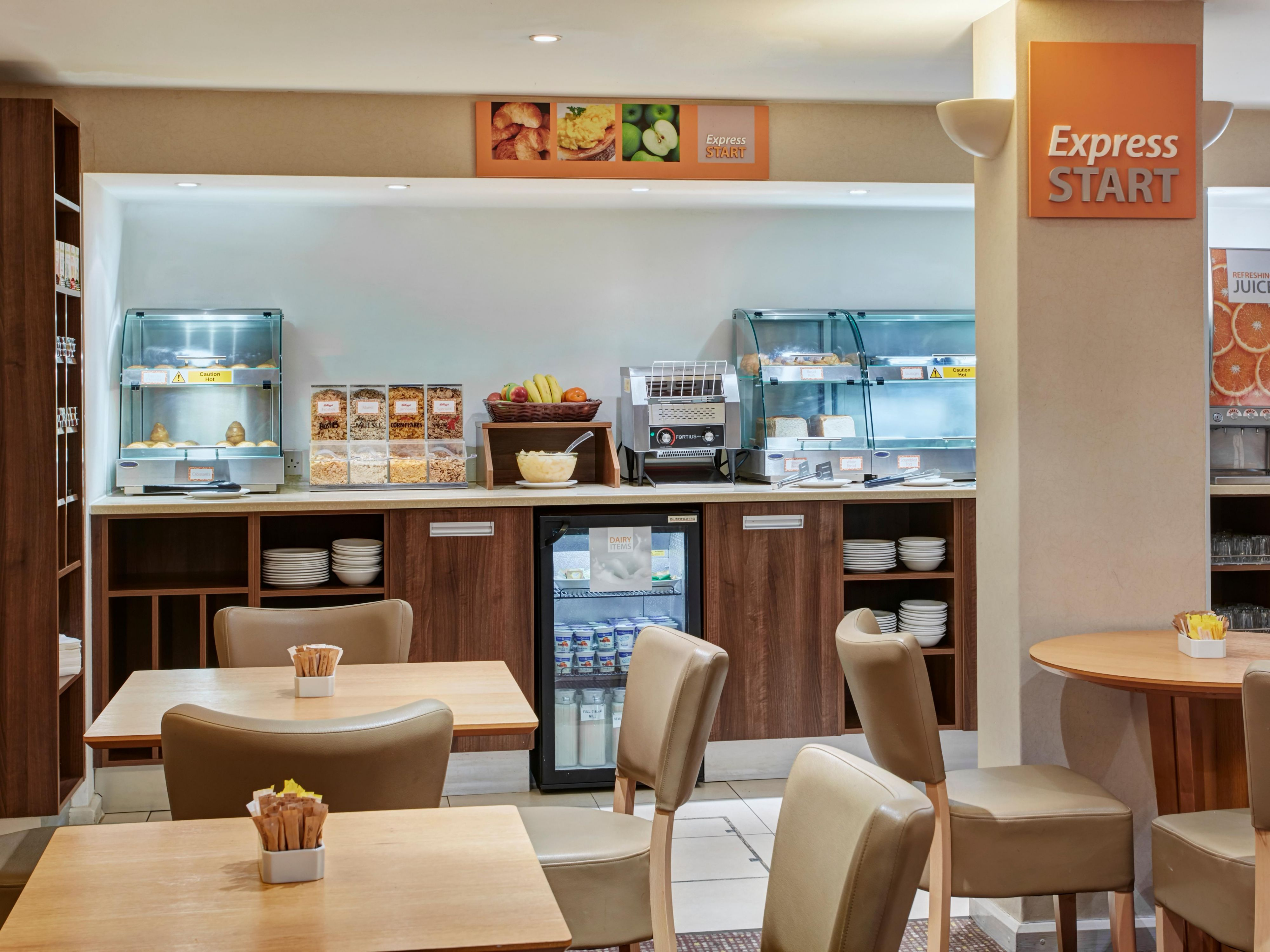 Enjoy Free Breakfast at Holiday Inn Express London Victoria