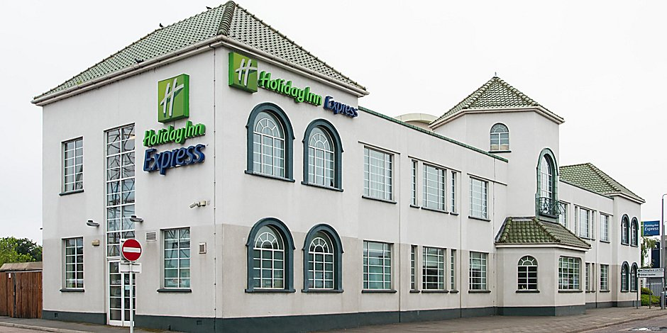 Hotels In Walthamstow Holiday Inn Express London Chingford