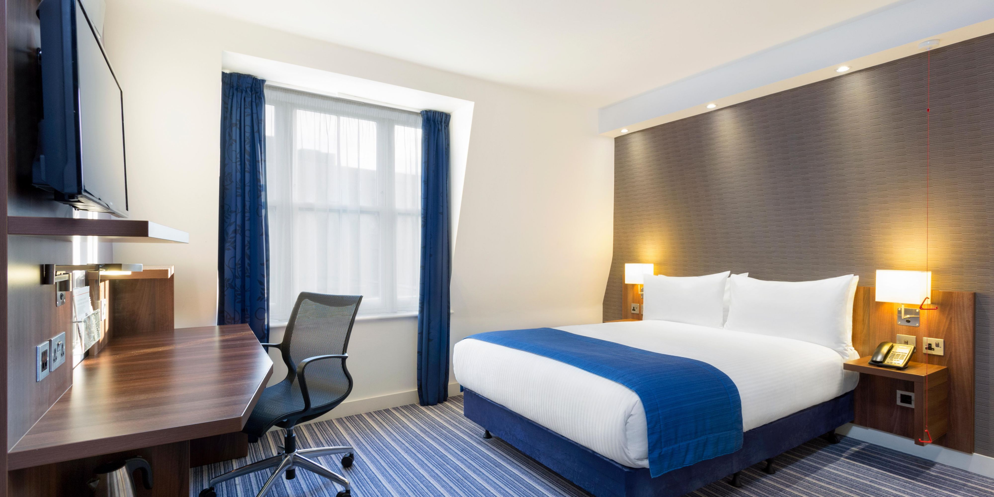Holiday Inn Express London 5305187052 2x1