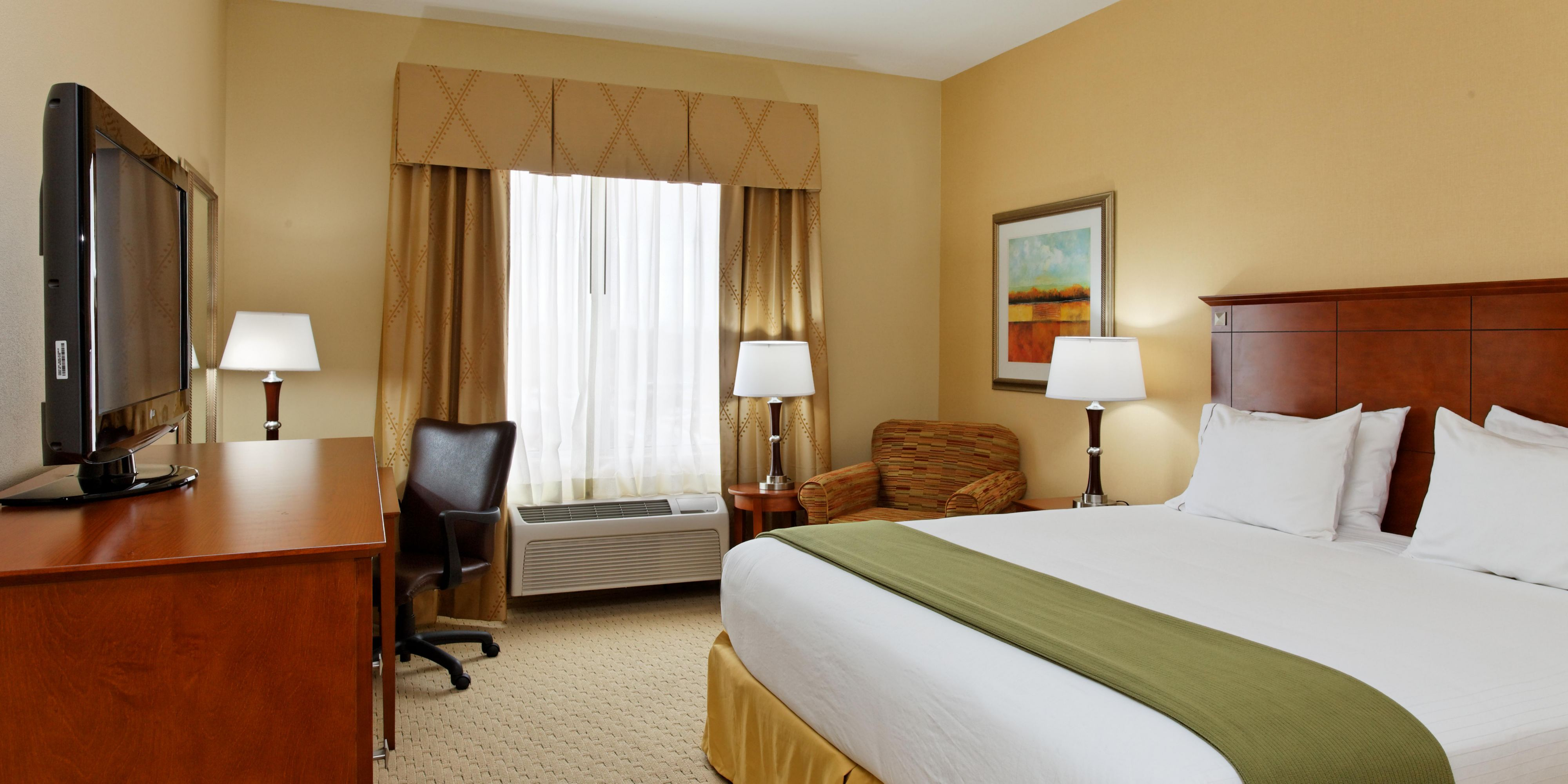 holiday beach inn comfort hoteldetail ca comforter laxlb en hotels airport long by hotel ihg us hei holidayinn