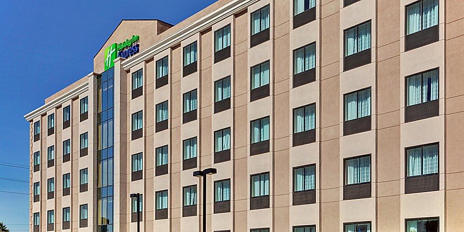 Los Angeles (LAX) Airport Hotels | Holiday Inn Express Los