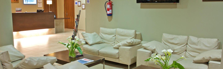 Sofas En El Campo De Gibraltar Scandlecandlecom