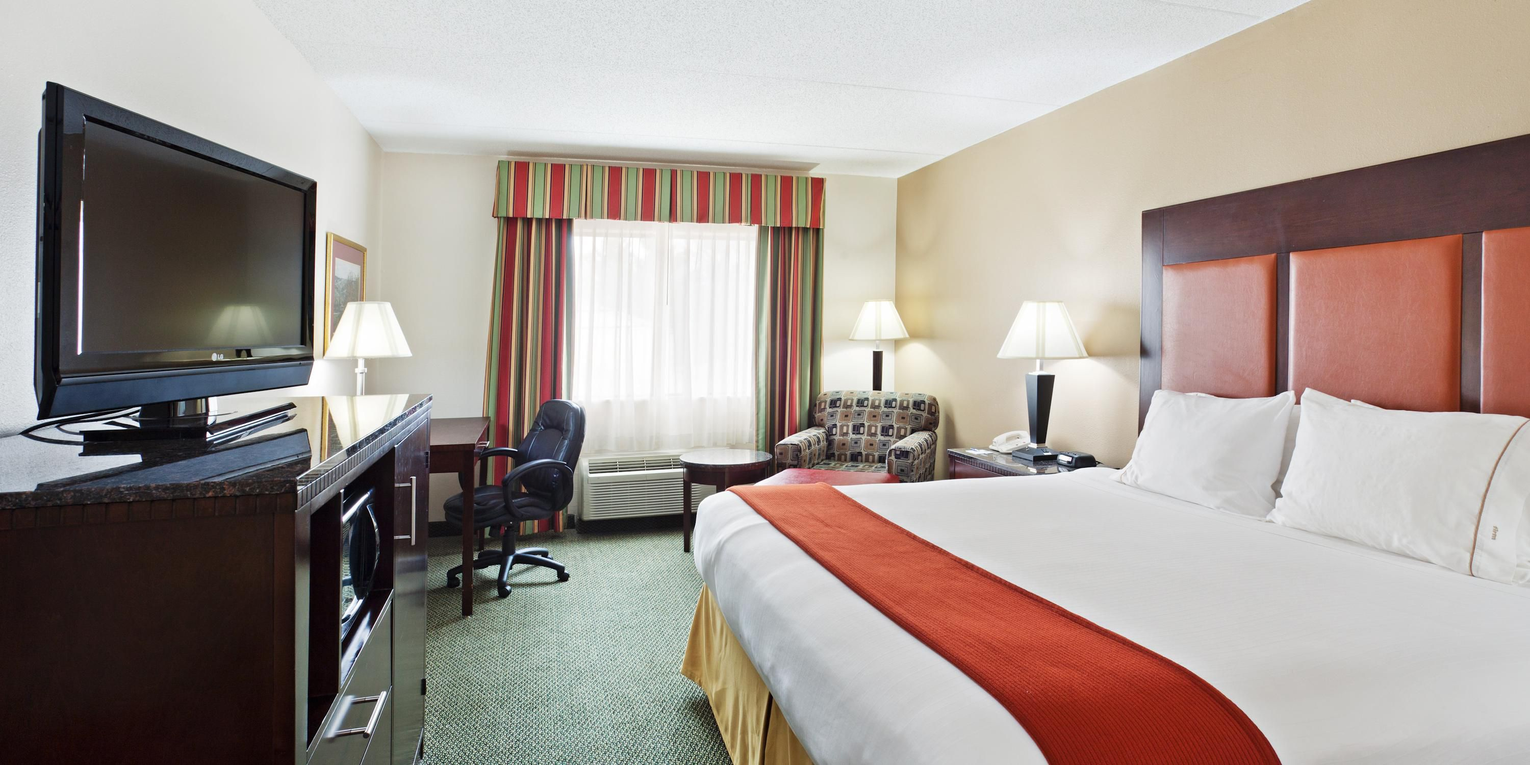 Crib for sale louisville ky - Holiday Inn Express Louisville 2533268463 2x1
