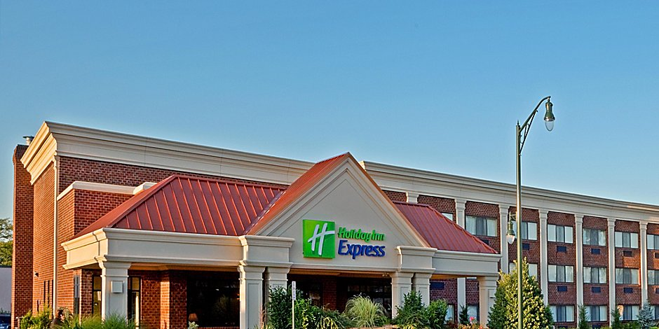 Holiday Inn Express Lynbrook - Rockville Centre Hotel by IHG