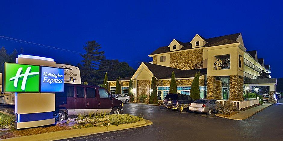 Things To Do In Mackinaw City Near Holiday Inn Express Mackinaw City Hotel