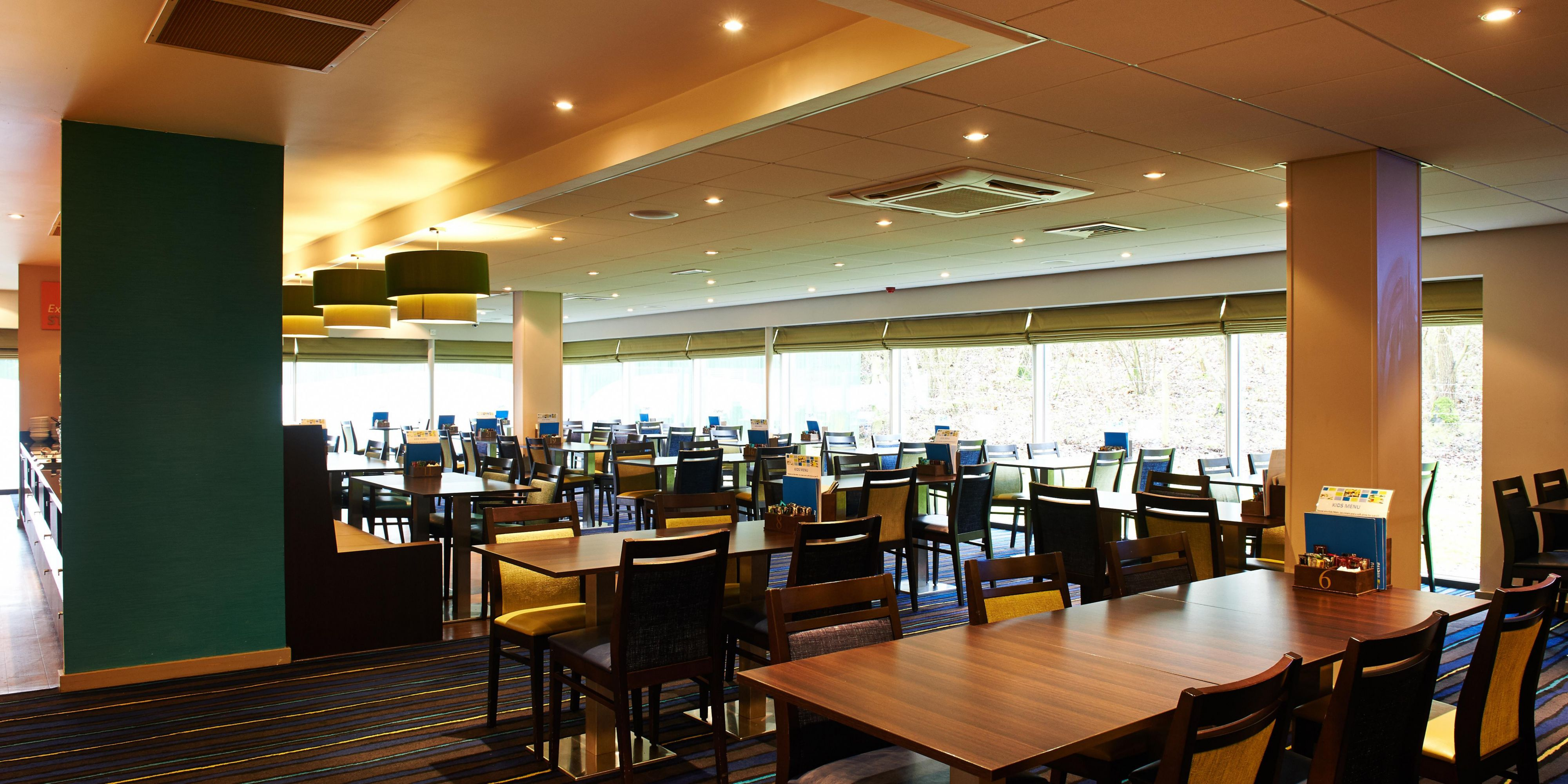 Holiday Inn Express Manchester 4320176712 2x1