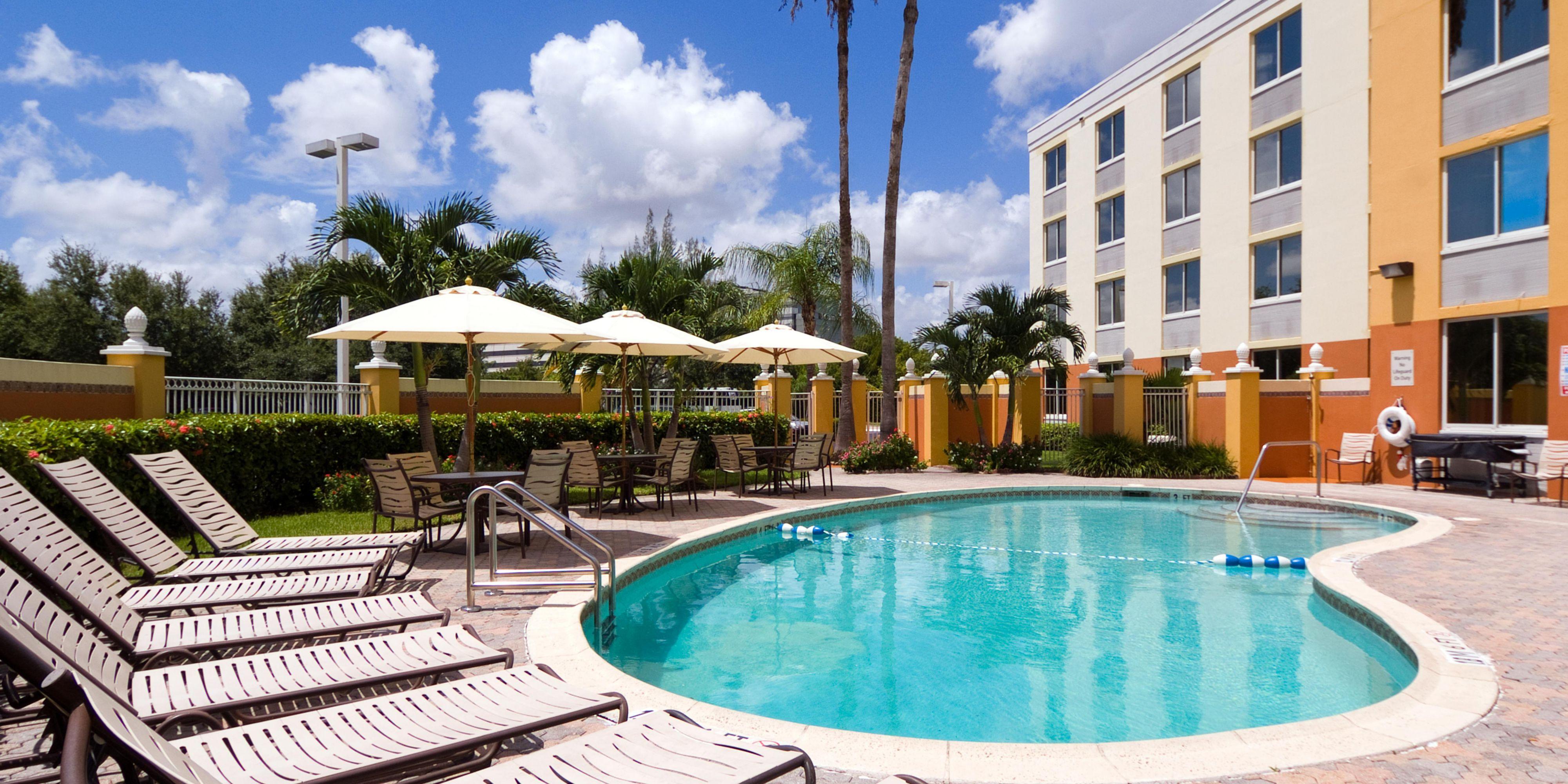 D Hotels Near Miami Airport Mia Holiday Inn Express