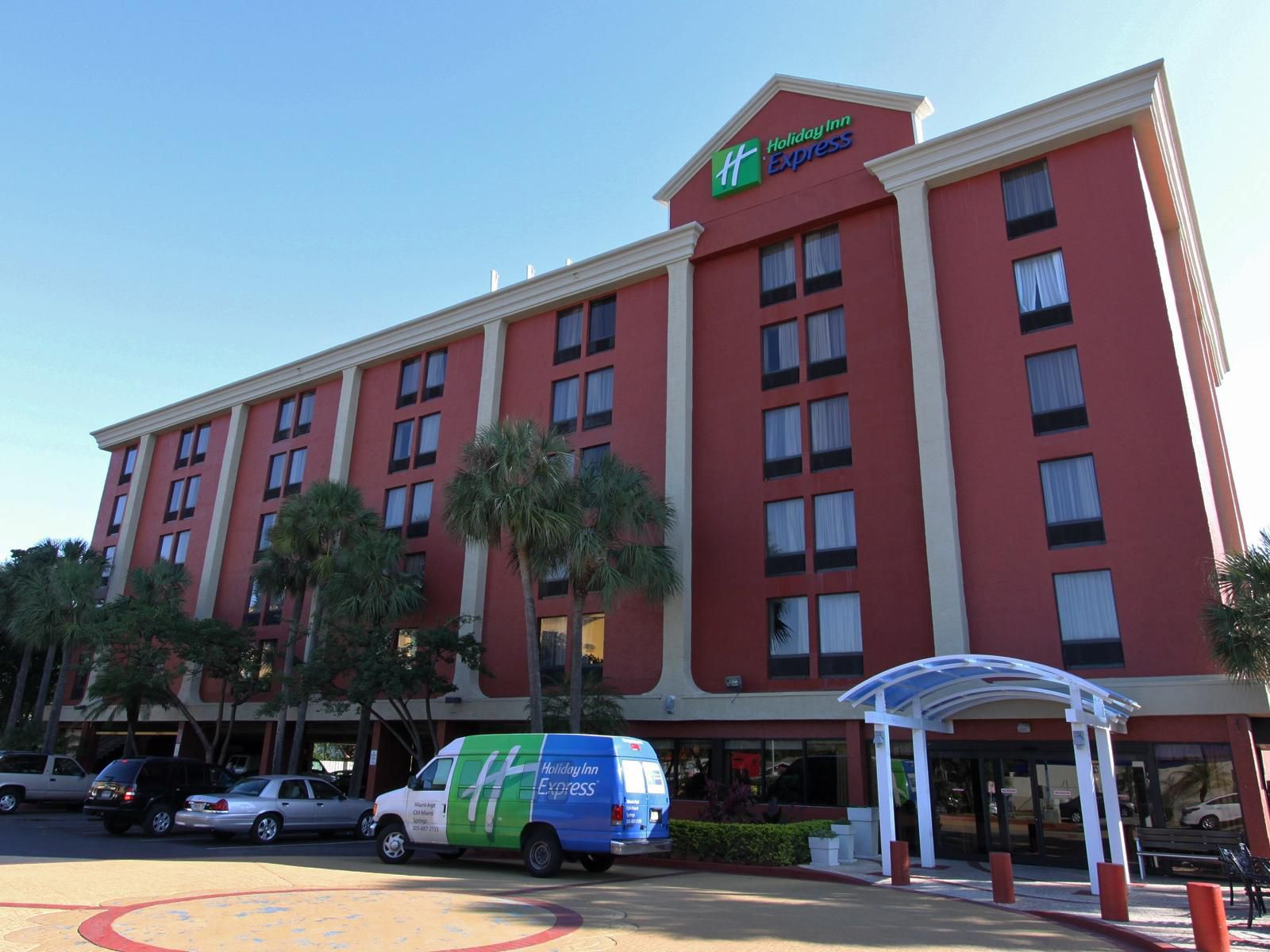 Holiday Inn Express Miami International Airport Entrance & Van