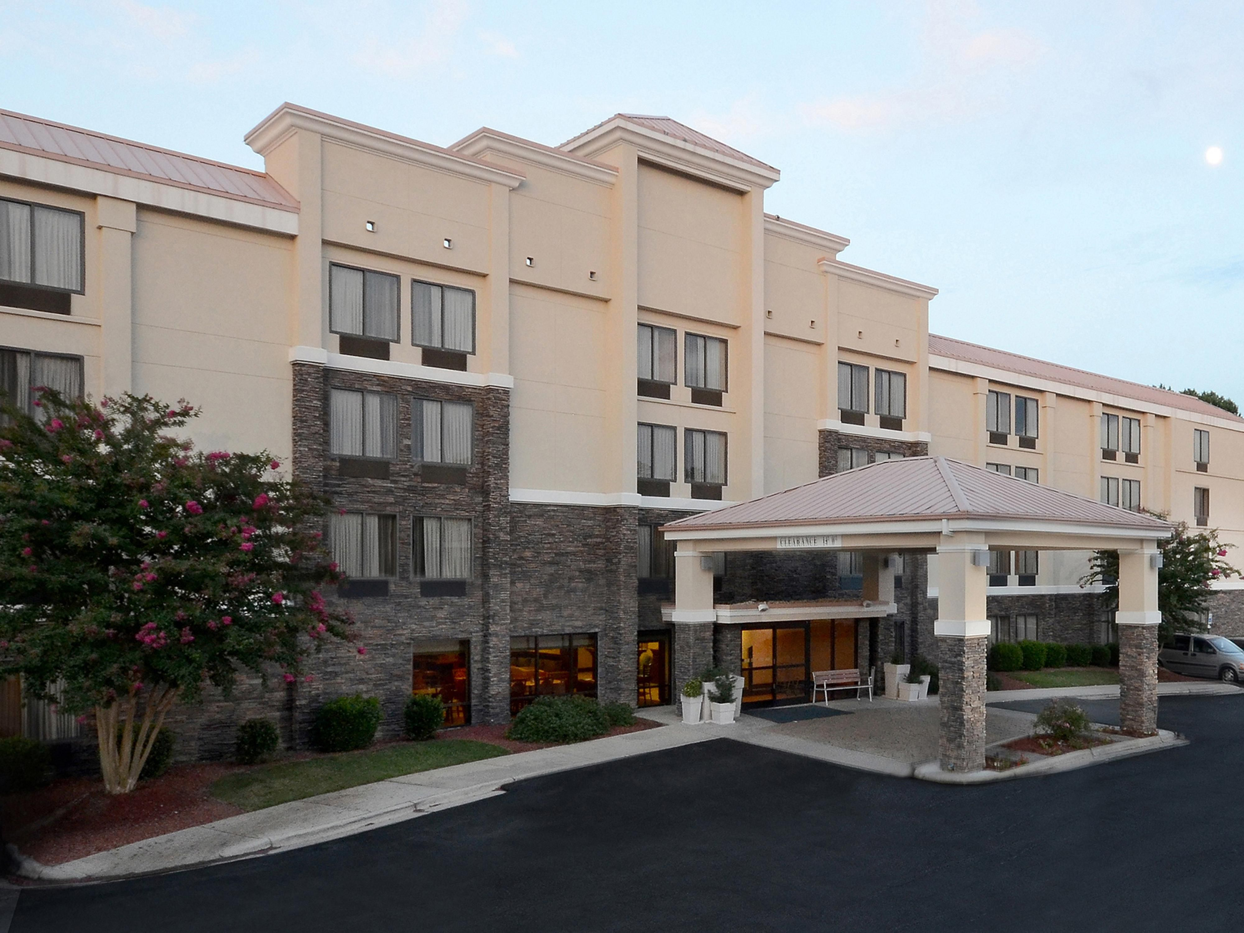 Welcome to the Holiday Inn Express hotel near RDU Airport!