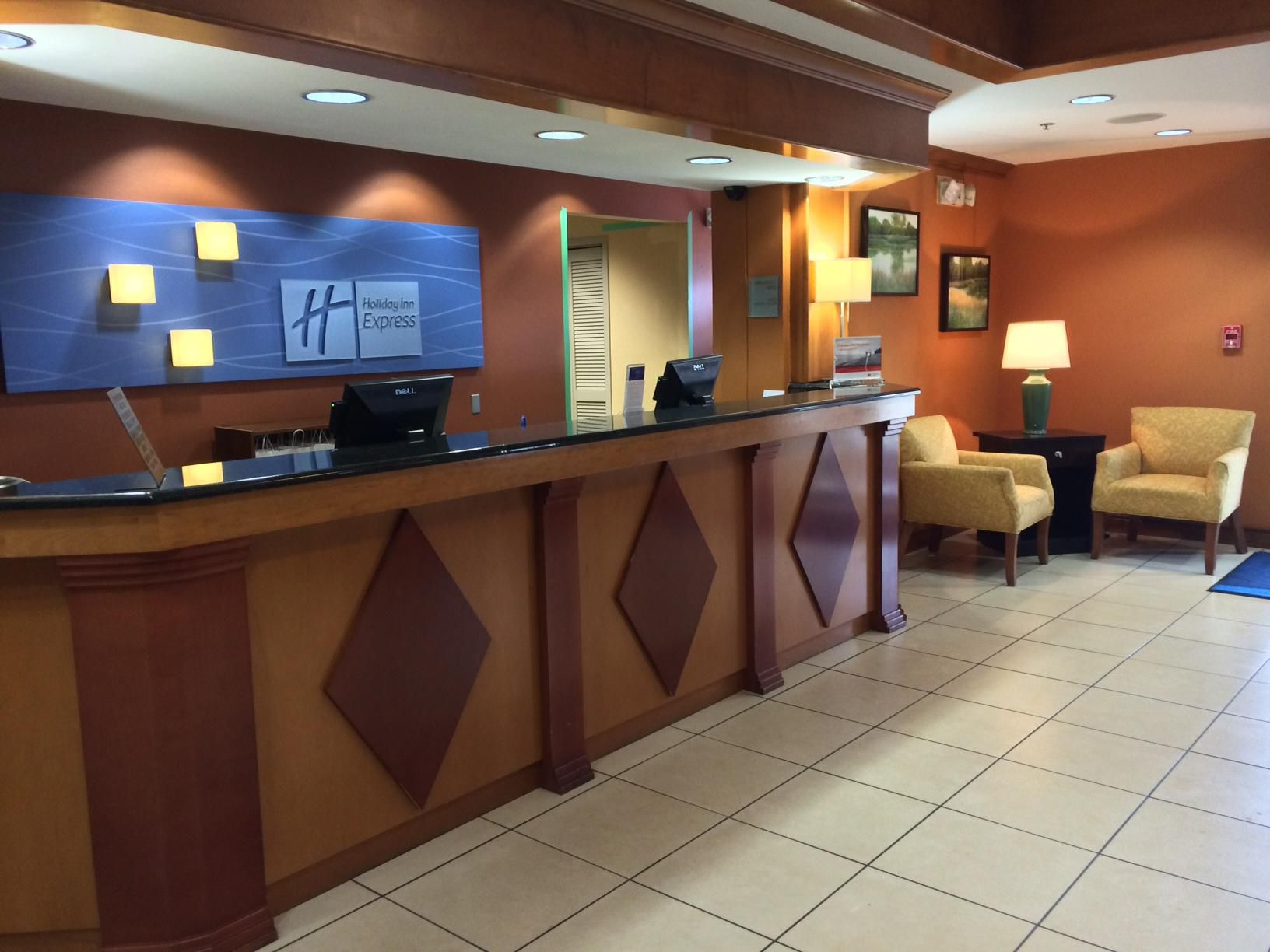 Holiday Inn Express Moss Point  welcomes you to our hotel.