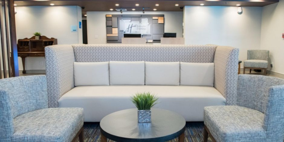 Hotel Lobby Relax In The Holiday Inn Express Moss Point Newly Renovated