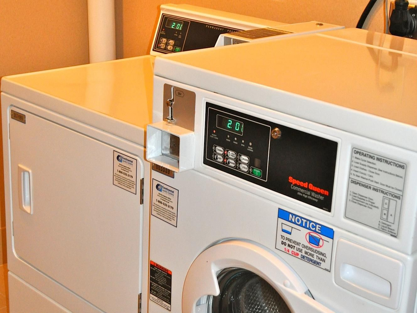 Holiday Inn Express Waterfront Mall Laundry Facility
