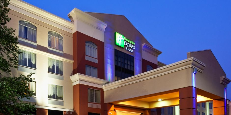 Exterior View Of The Holiday Inn Express Murfreesboro Tn