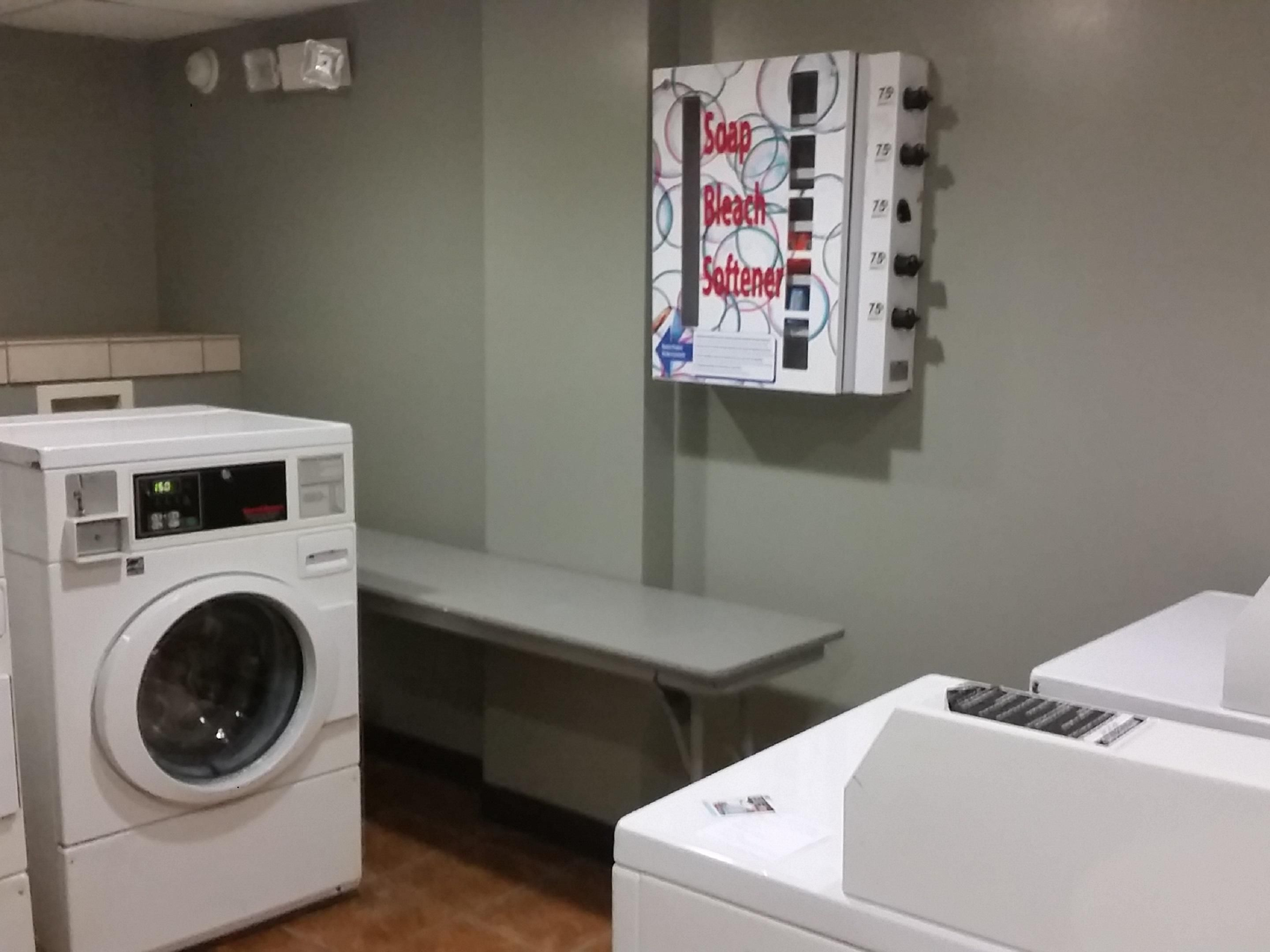 Holiday Inn Express Nashville Downtown Guest Laundry Facility