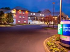 Holiday Inn Express Nashville Airport in White House, Tennessee