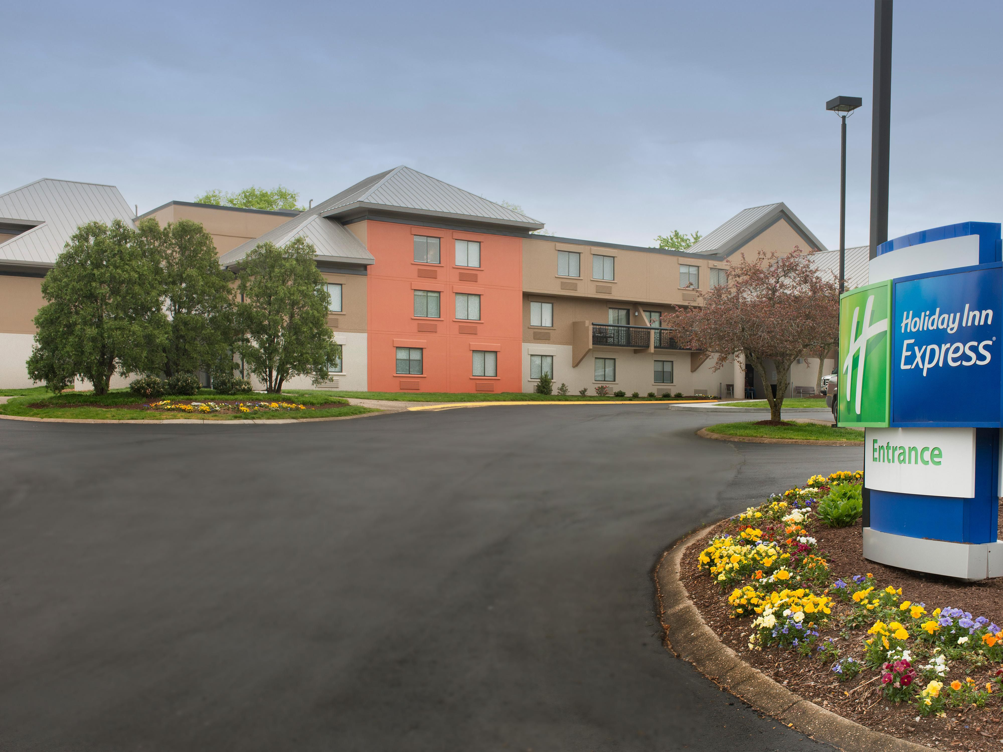 Newly Renovated Holiday Inn Express Nashville Airport