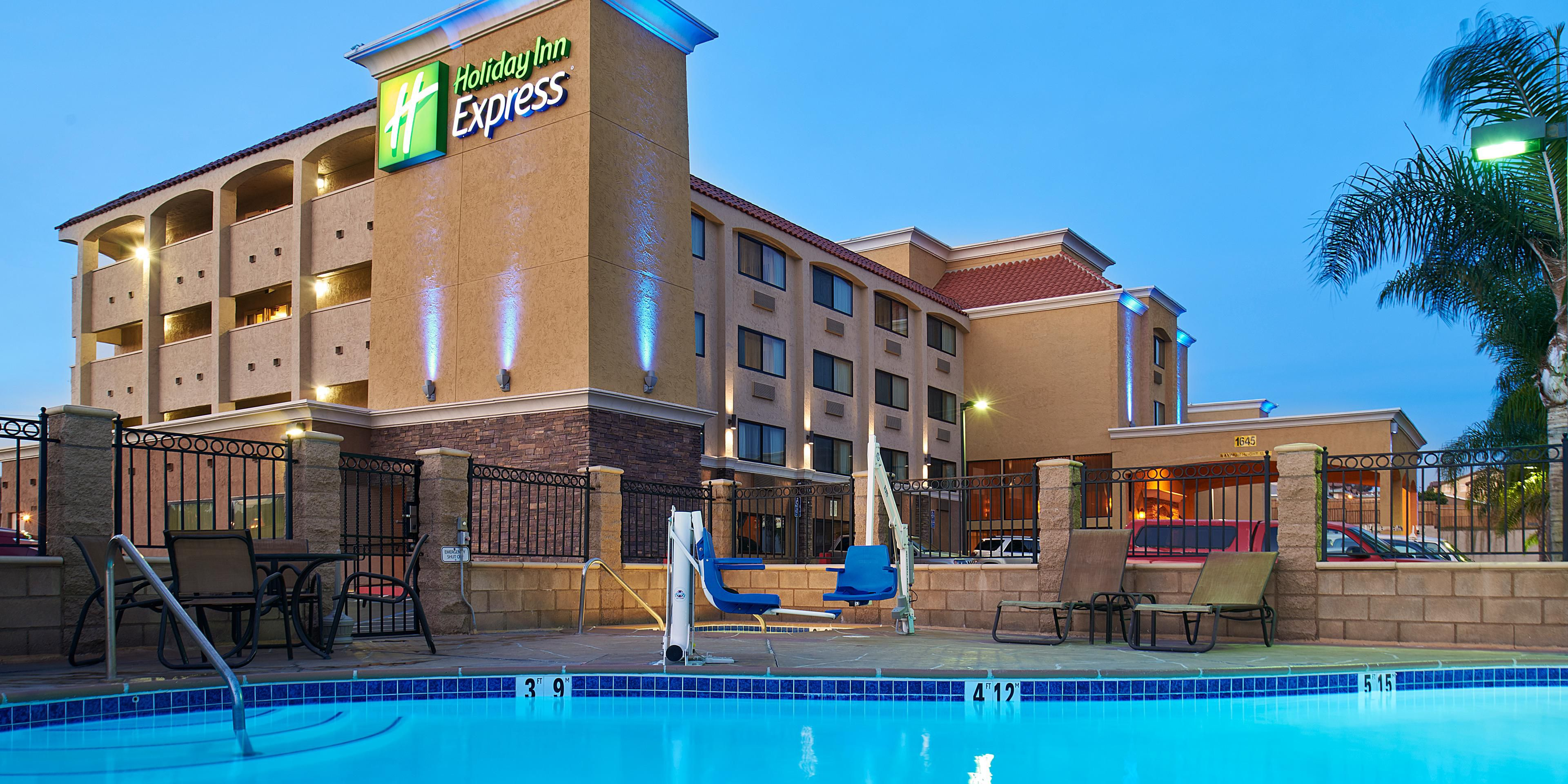 Holiday Inn Express National City 3808661037 2x1