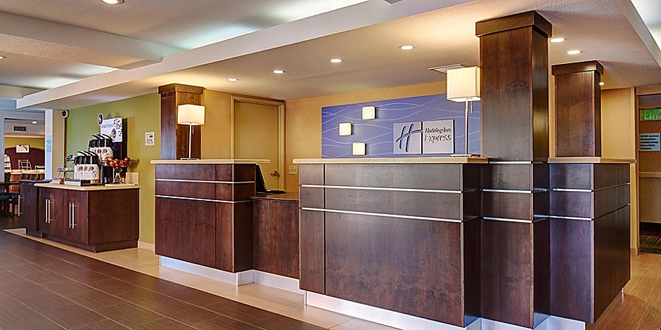 Hotels in National City | Holiday Inn Express San Diego