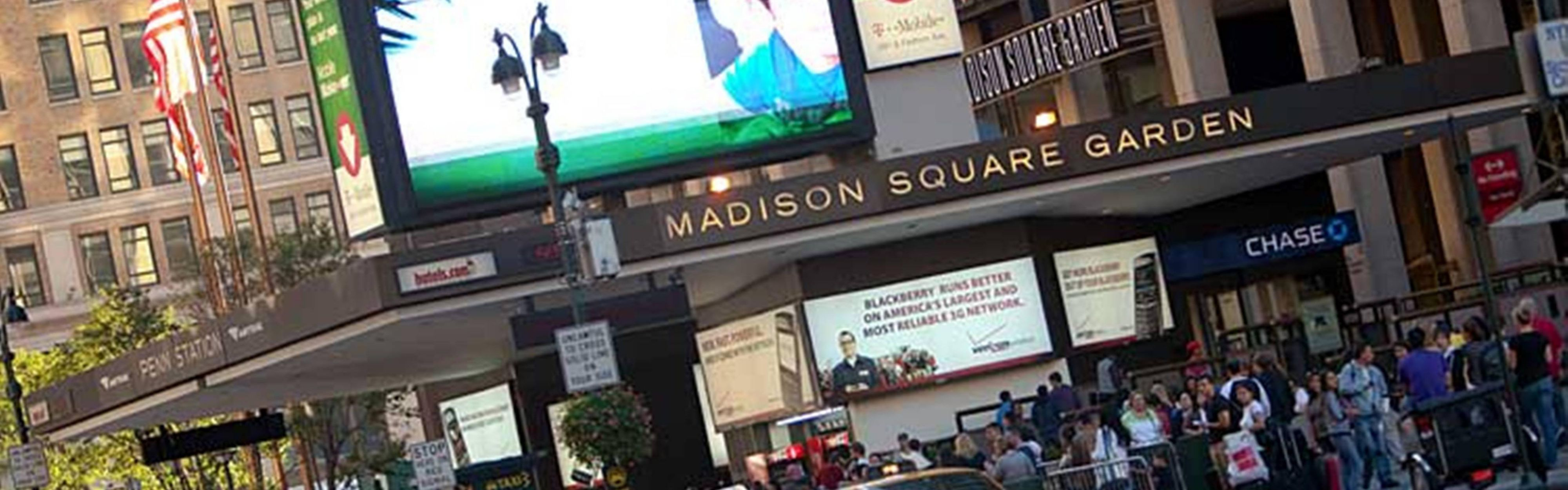 ... Madison Square Garden ...