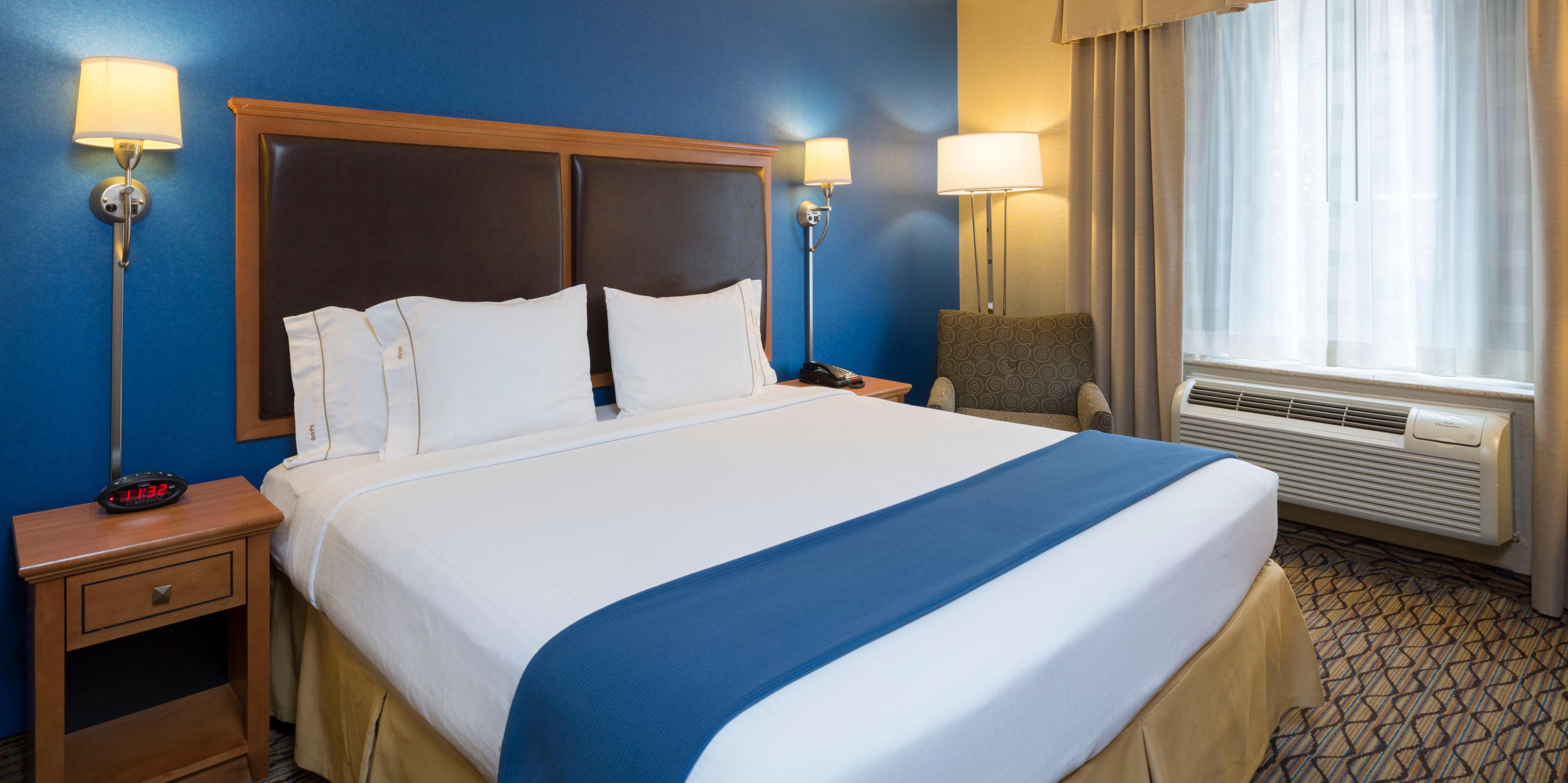 suites express central en us parking madison hoteldetail hotel garden and holidayinnexpress ihg inn near hotels square msnrr by holiday