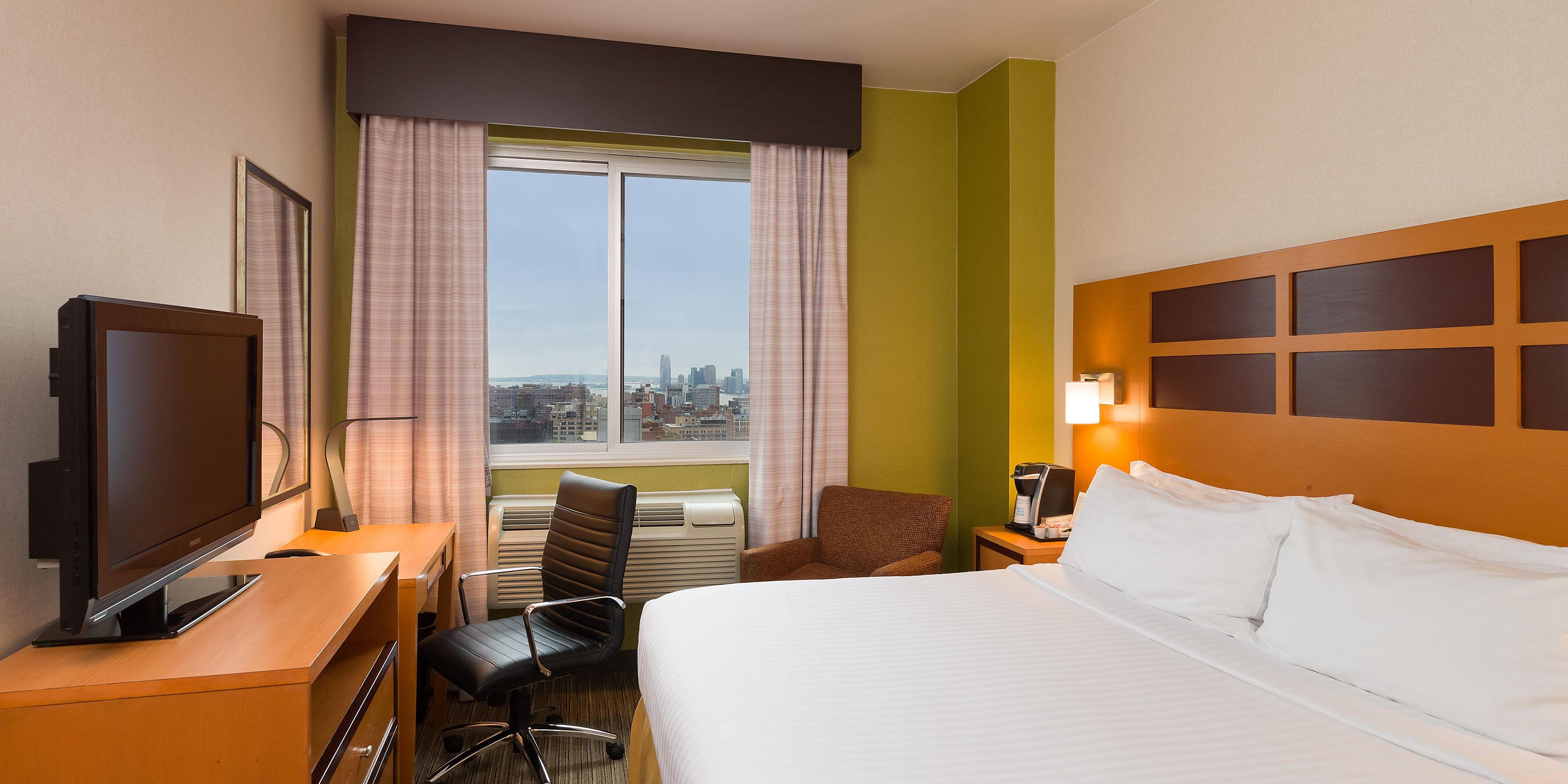 Midtown West Manhattan Hotels | Holiday Inn Express NYC Times Square