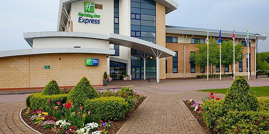 Holiday Inn Express Northampton South