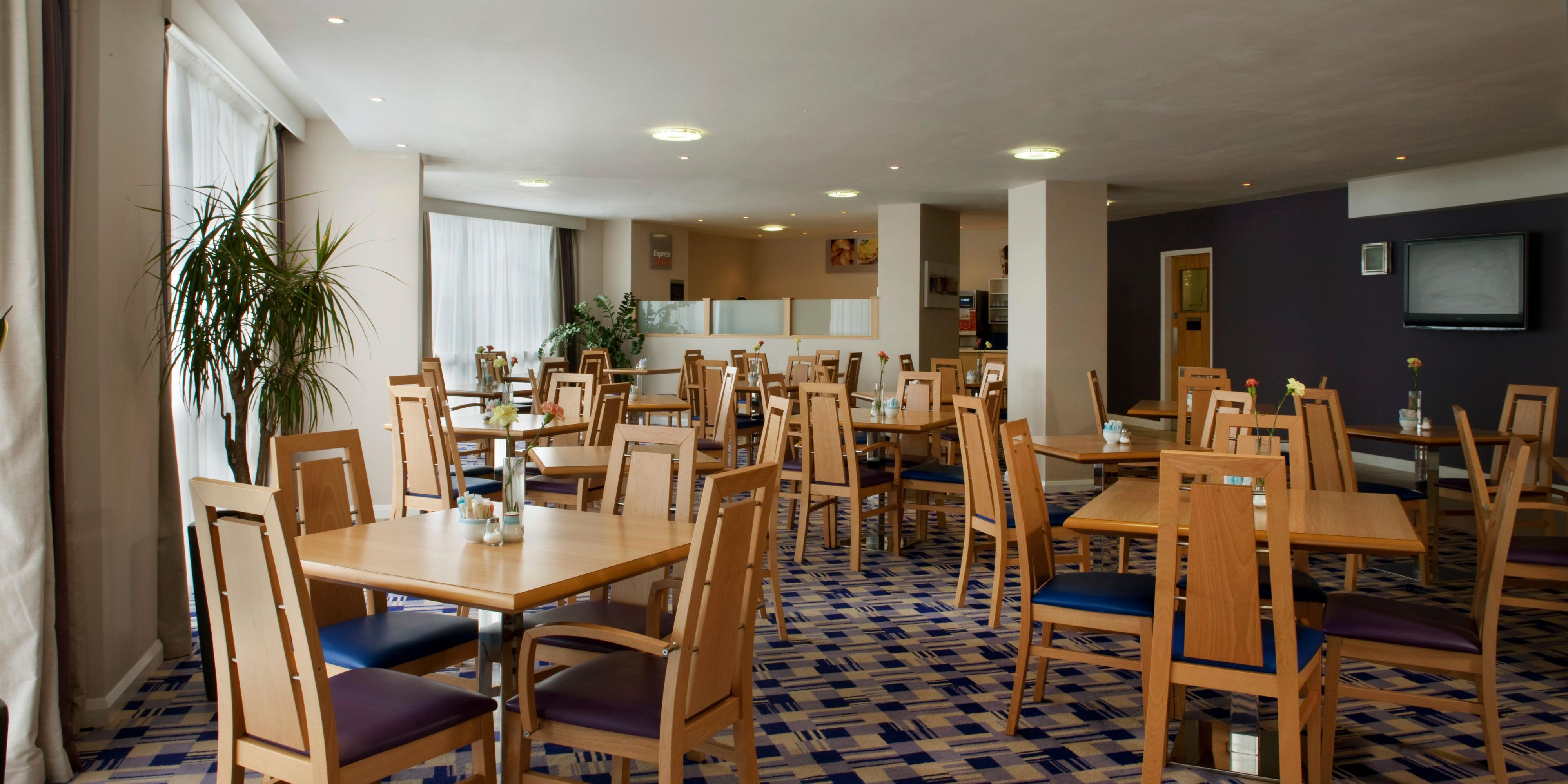 Holiday Inn Express Norwich 2533012835 2x1