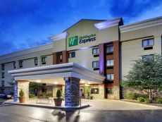 Holiday Inn Express Fort Campbell-Oak Grove in Clarksville, Tennessee
