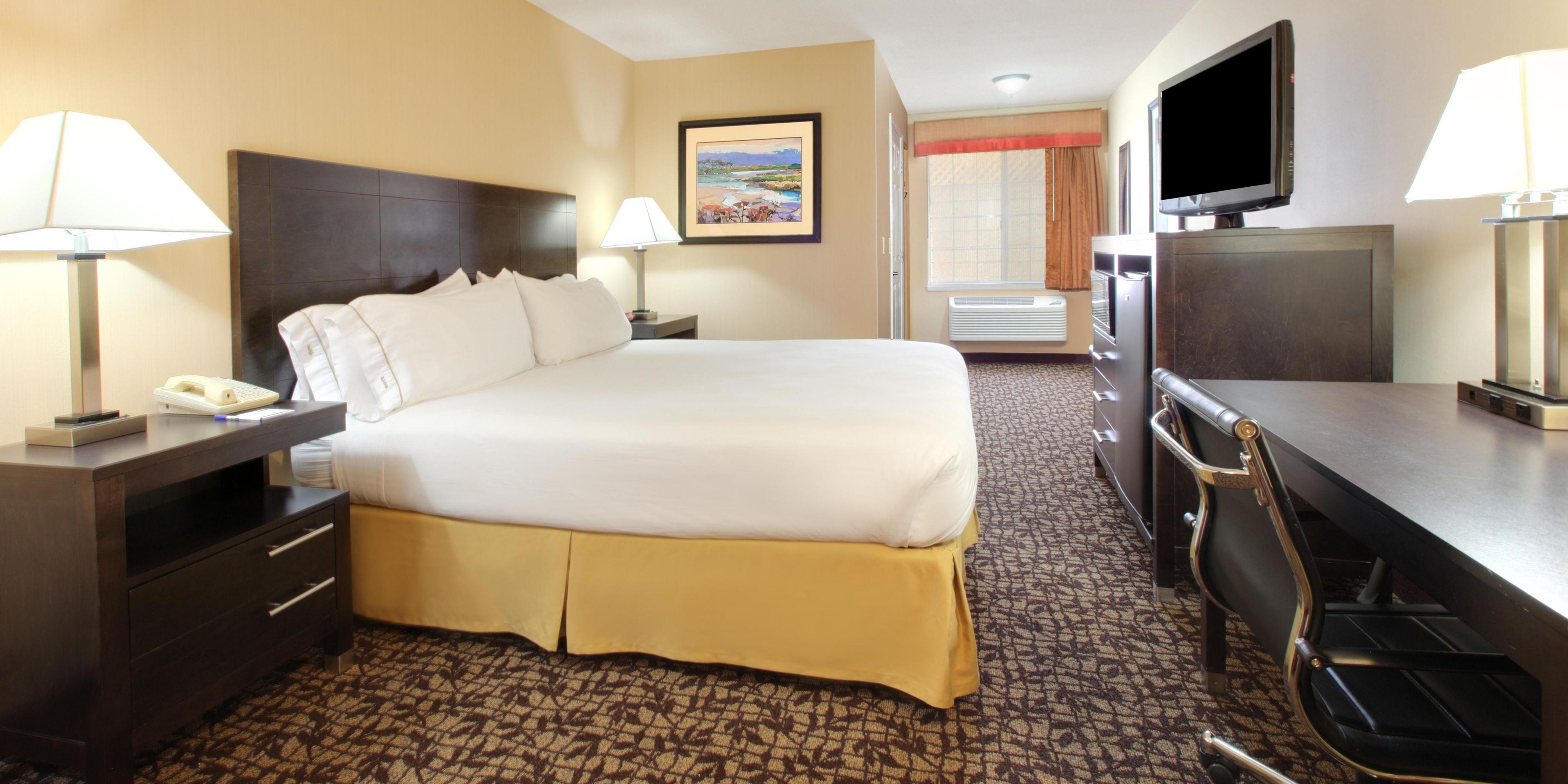 Holiday Inn Express Oakdale 4137470813 2x1