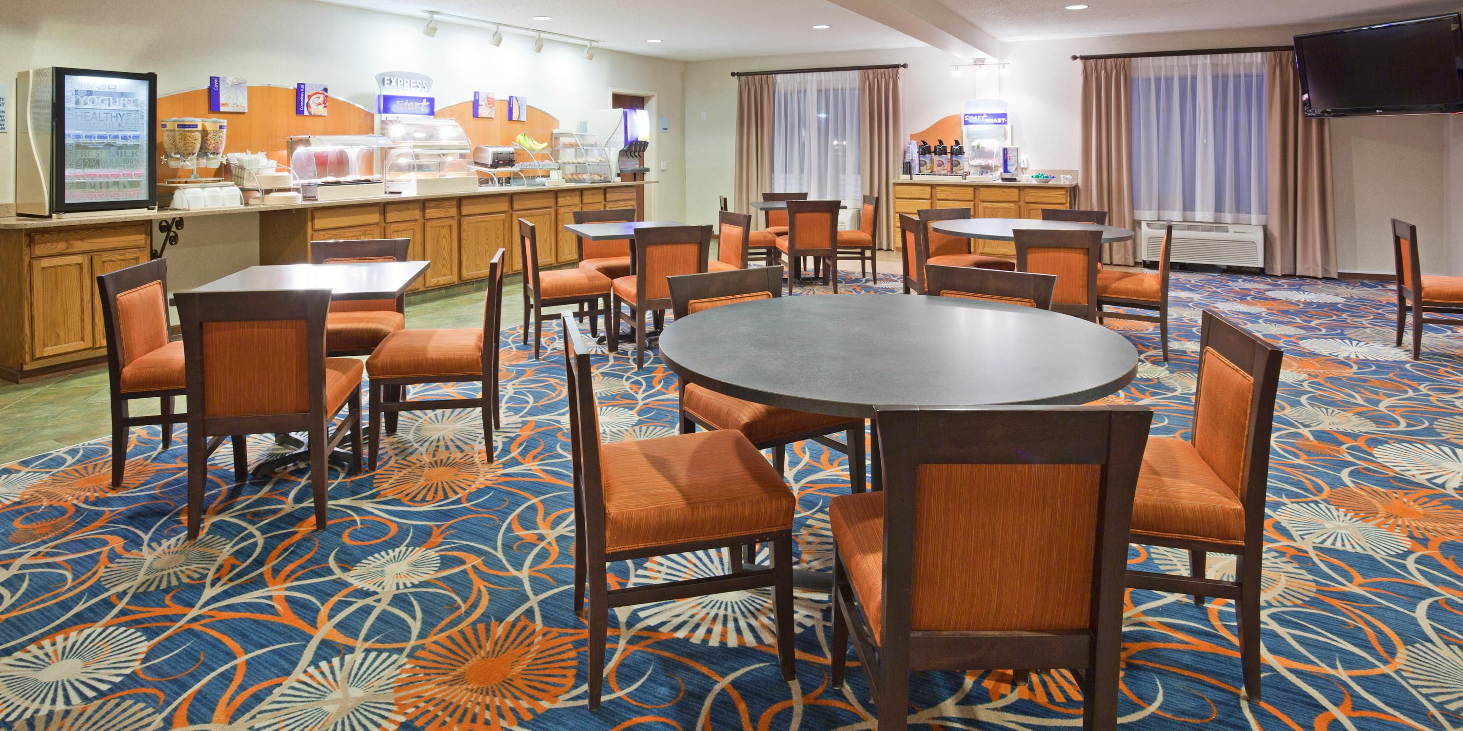 Holiday inn express onalaska la crosse area hotel by ihg holiday inn express onalaska 2531982781 2x1 sciox Gallery