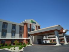 Holiday Inn Express Toledo-Oregon in Bowling Green, Ohio
