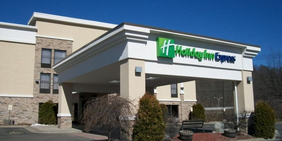 Welcome To The Holiday Inn Express Painted Post